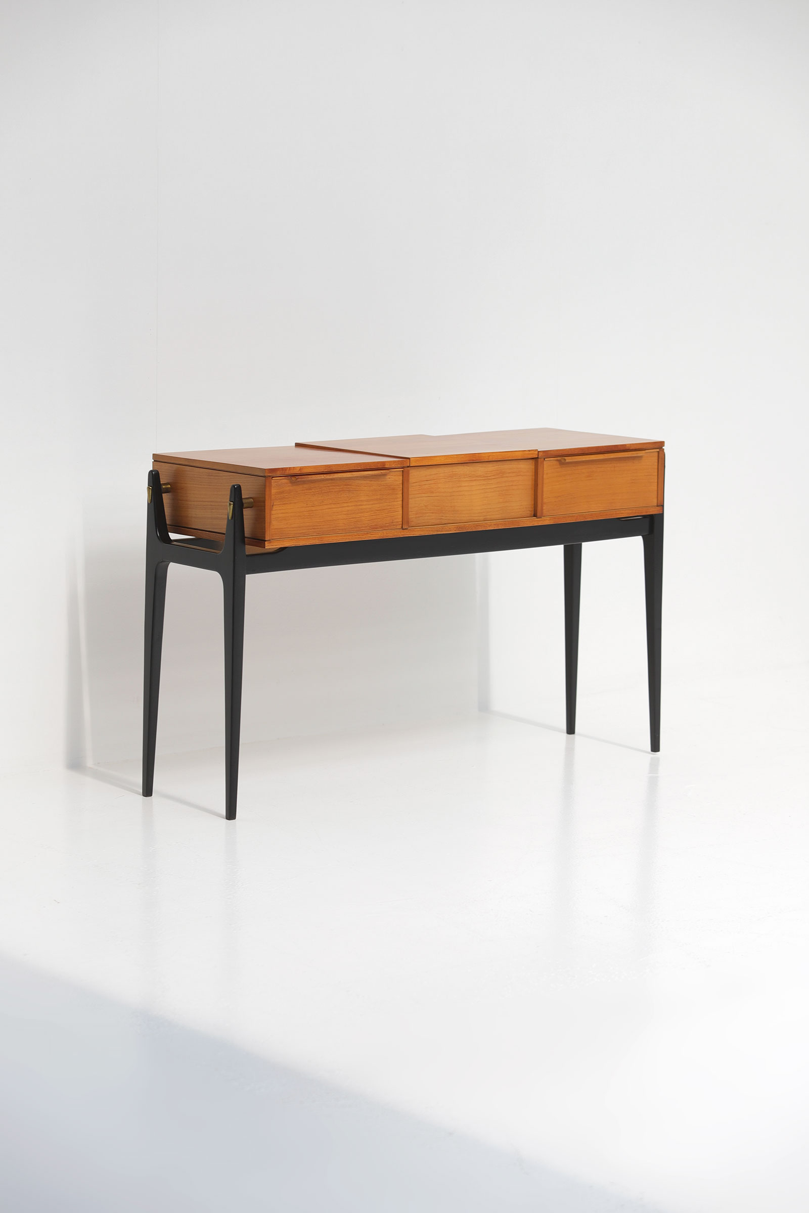 Elegant 50S Dressing Vanity Tableimage 1