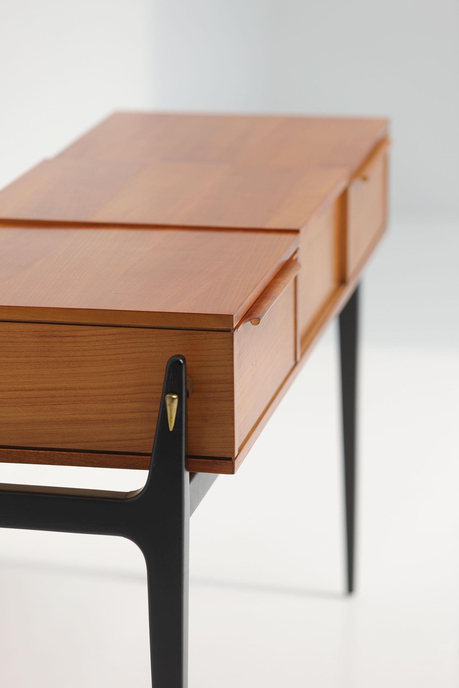 Elegant 50S Dressing Vanity Table