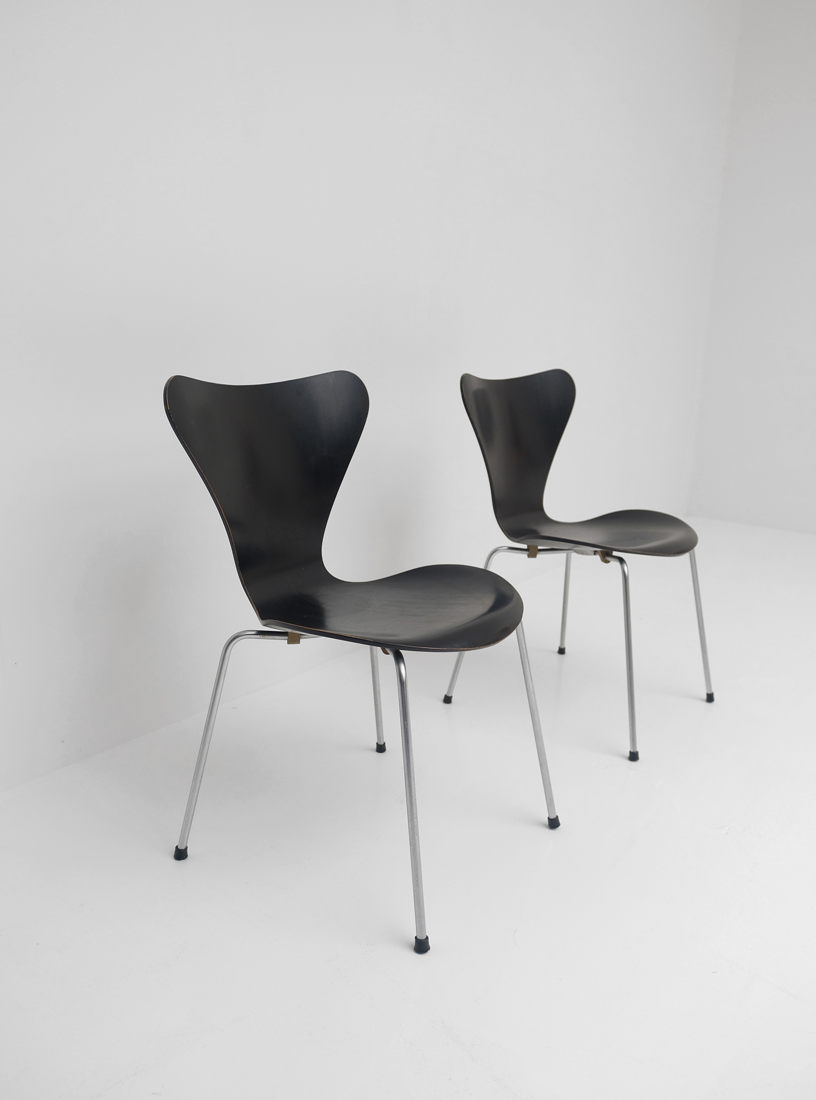 3107 Series Butterfly Chair by Arne Jacobsen for Fritz Hansen