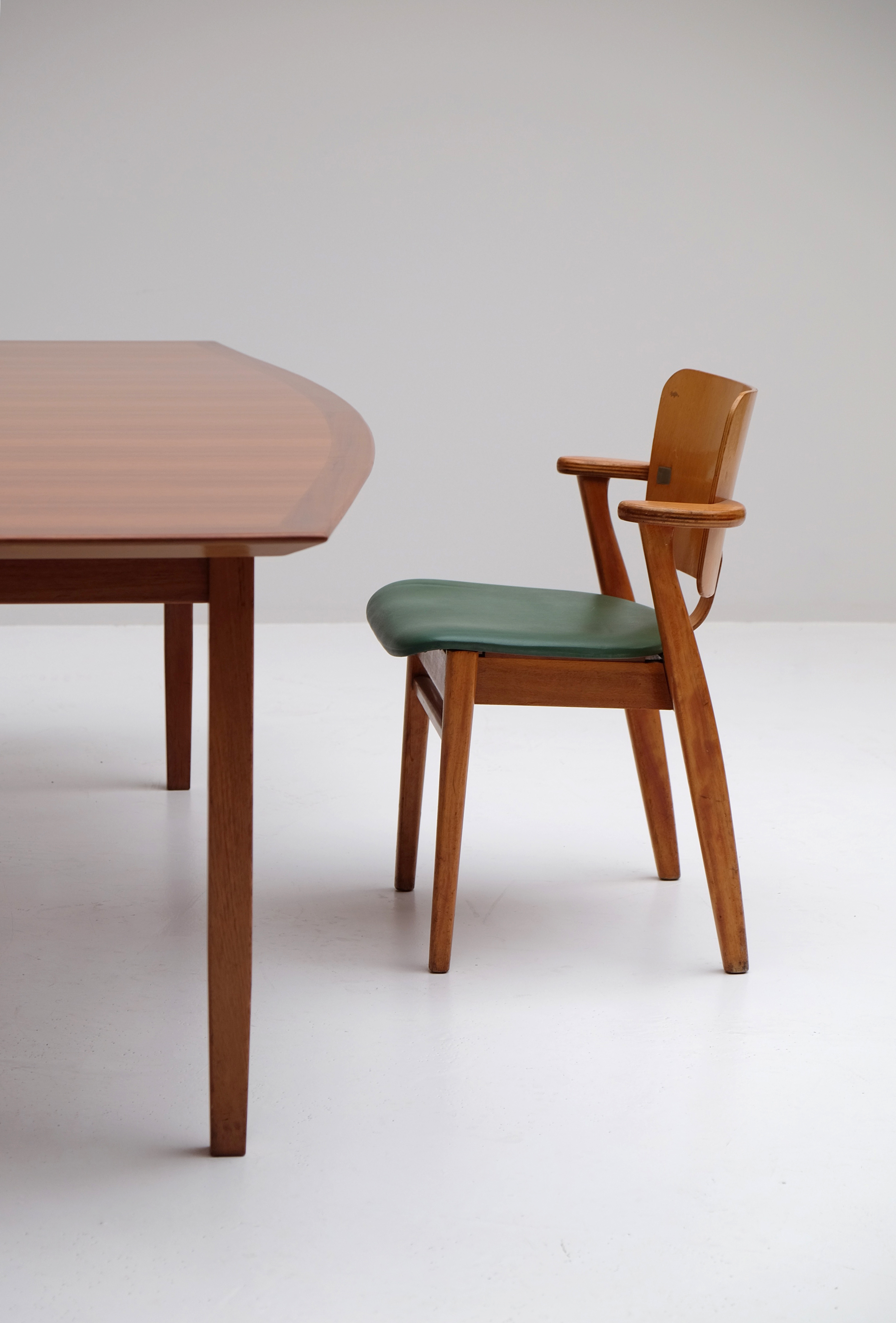 Florence Knoll Dining or Conference Table image 12