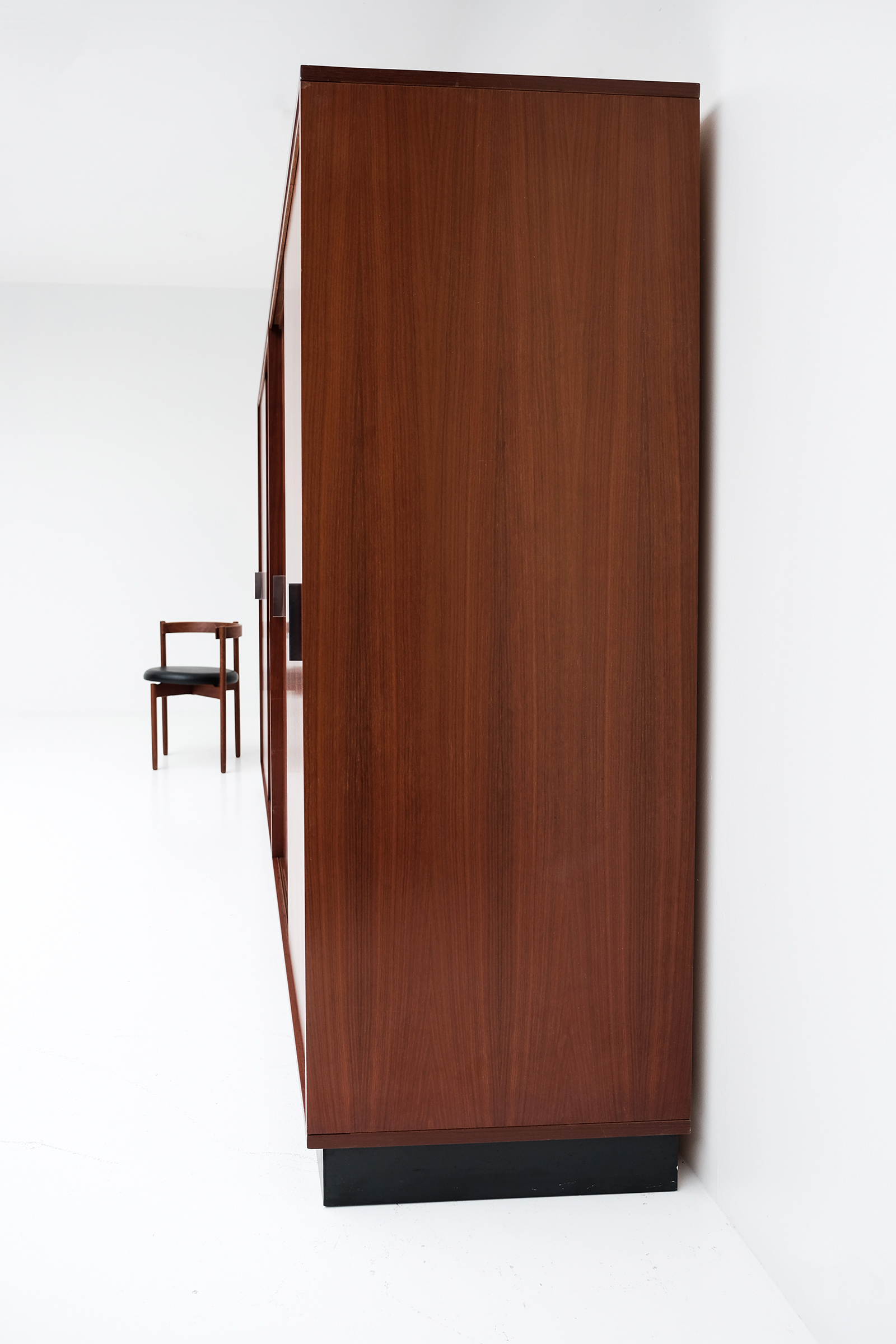 Alfred Hendrickx Wardrobe with Sliding Doorsimage 5