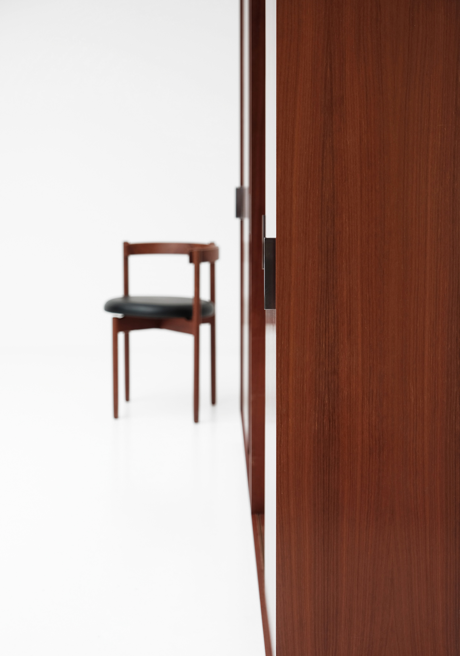 Alfred Hendrickx Wardrobe with Sliding Doorsimage 6