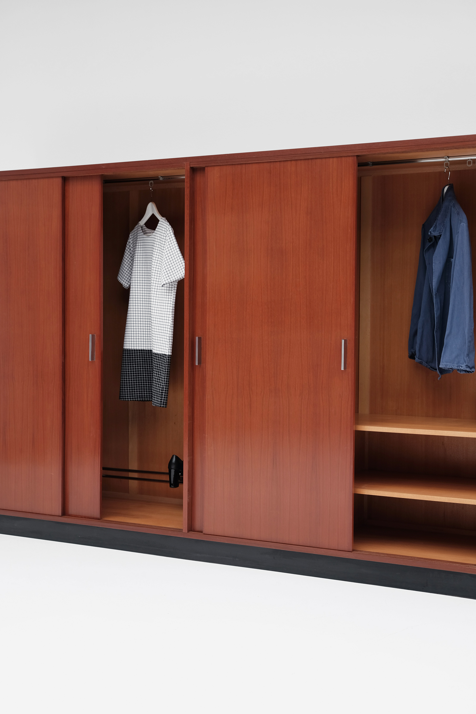 Alfred Hendrickx Wardrobe with Sliding Doorsimage 9