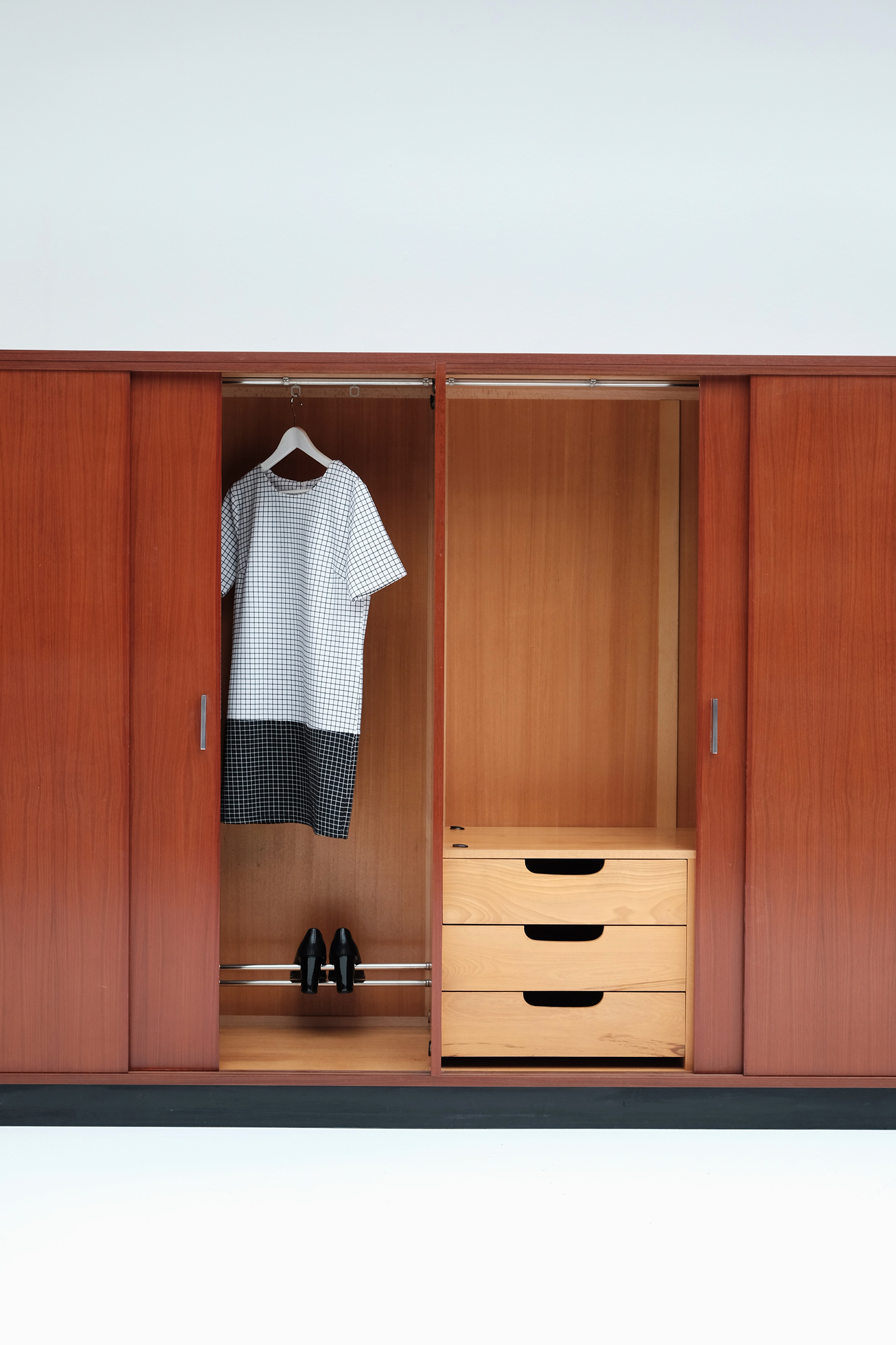 Alfred Hendrickx Wardrobe with Sliding Doorsimage 12