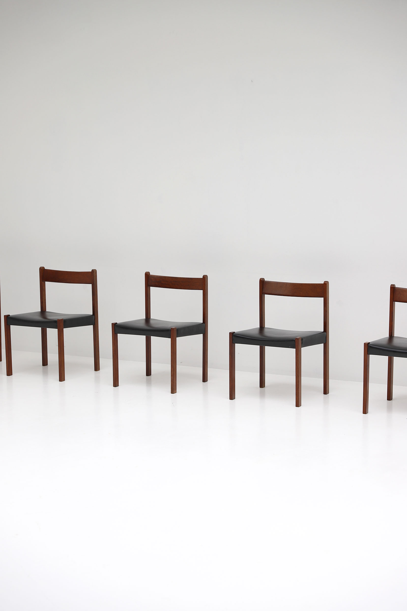 Alfred Hendrickx Belform Chairsimage 2