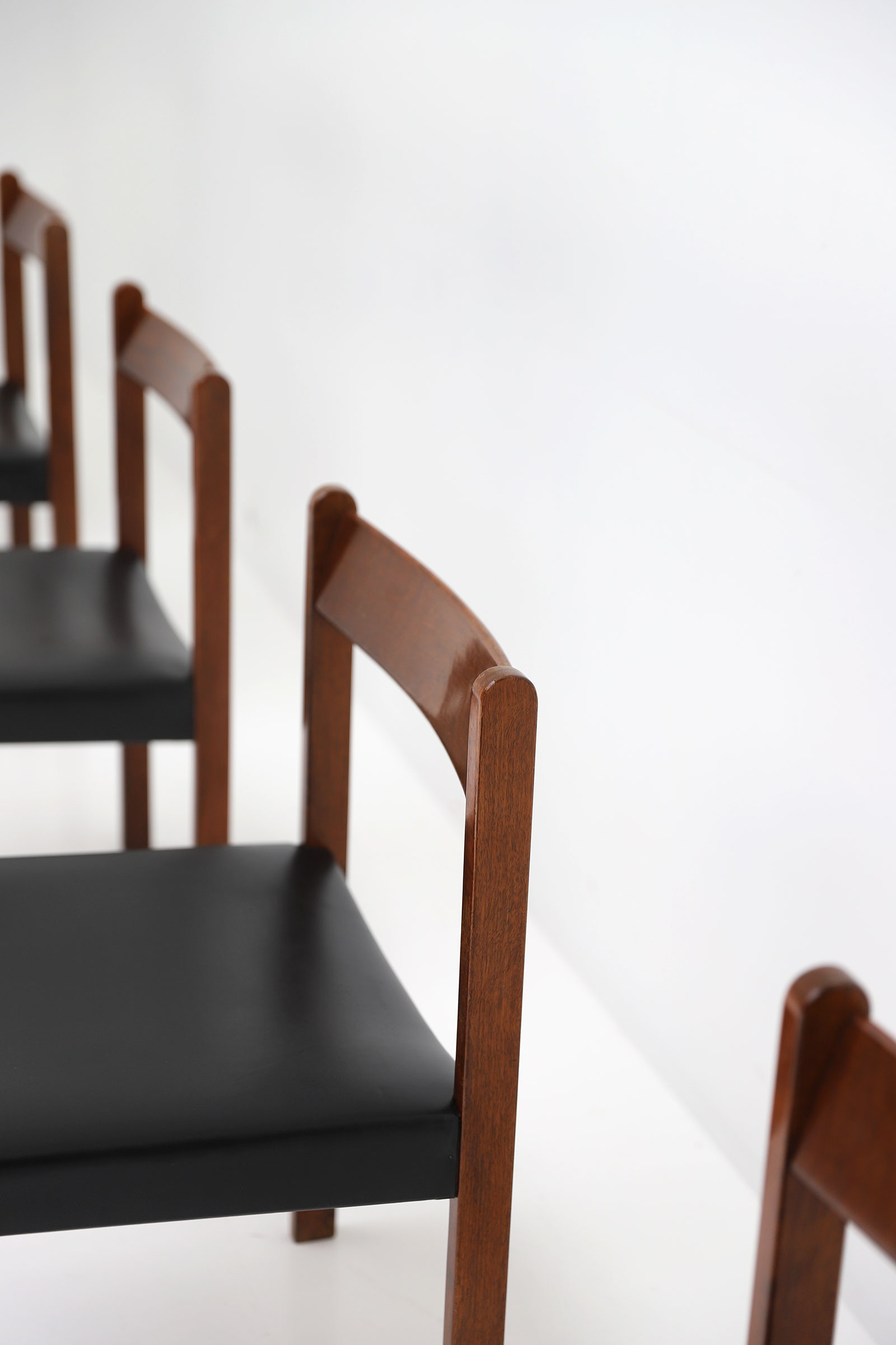 Alfred Hendrickx Belform Chairsimage 6