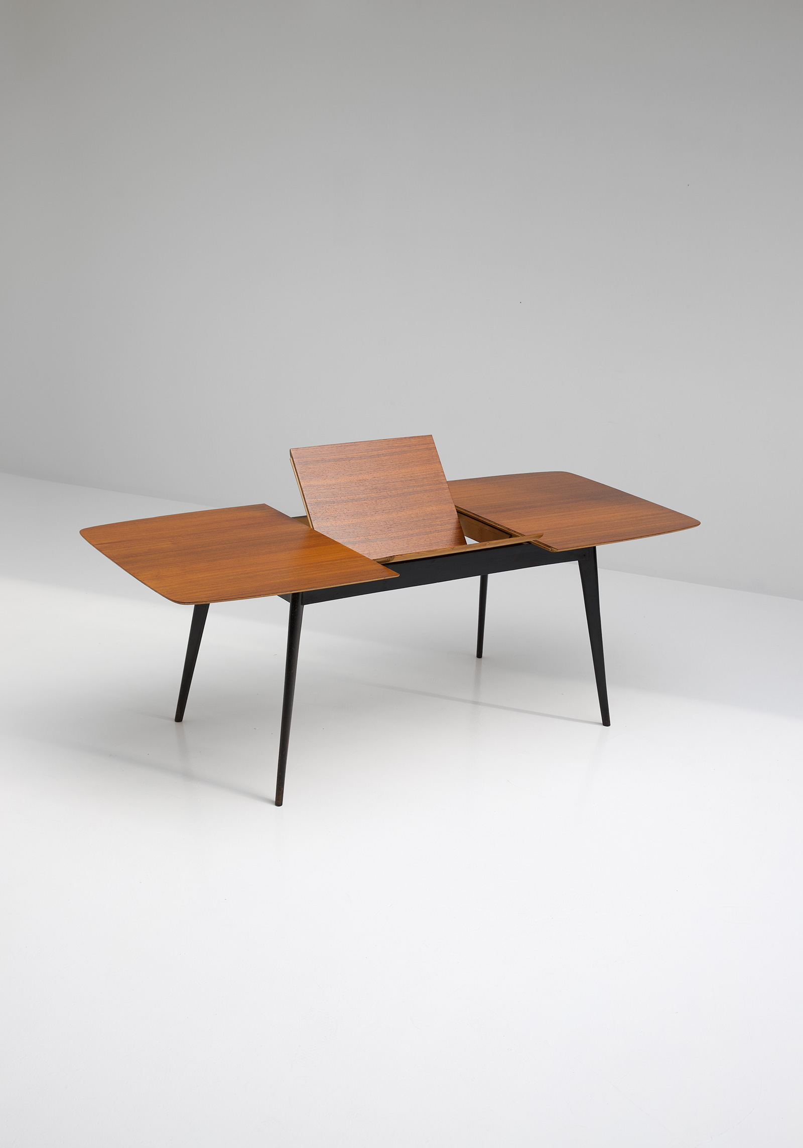 Alfred Hendrickx Dining Table M2 for Belformimage 3