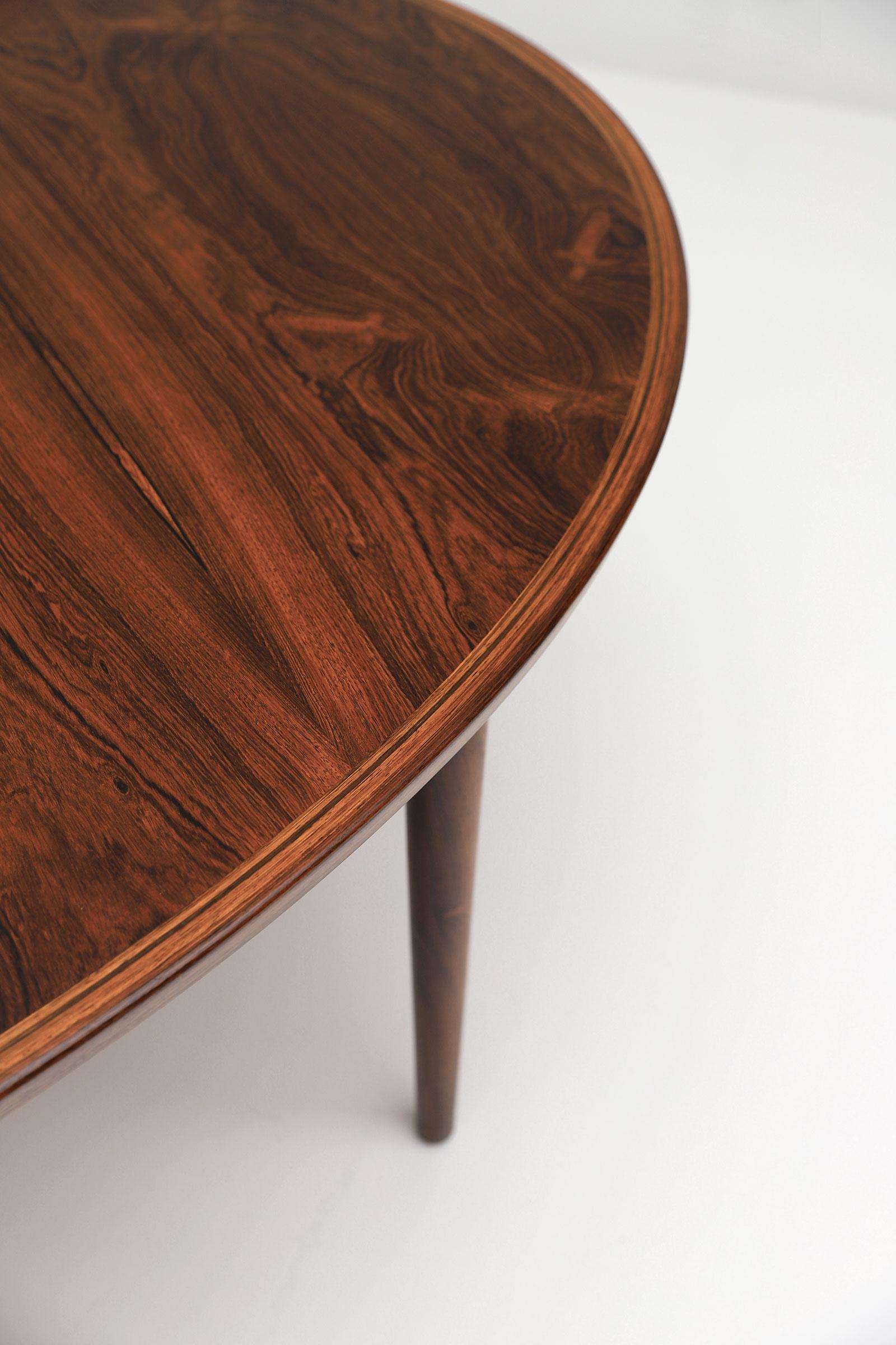 Arne Vodder Oval Dining Table model 212