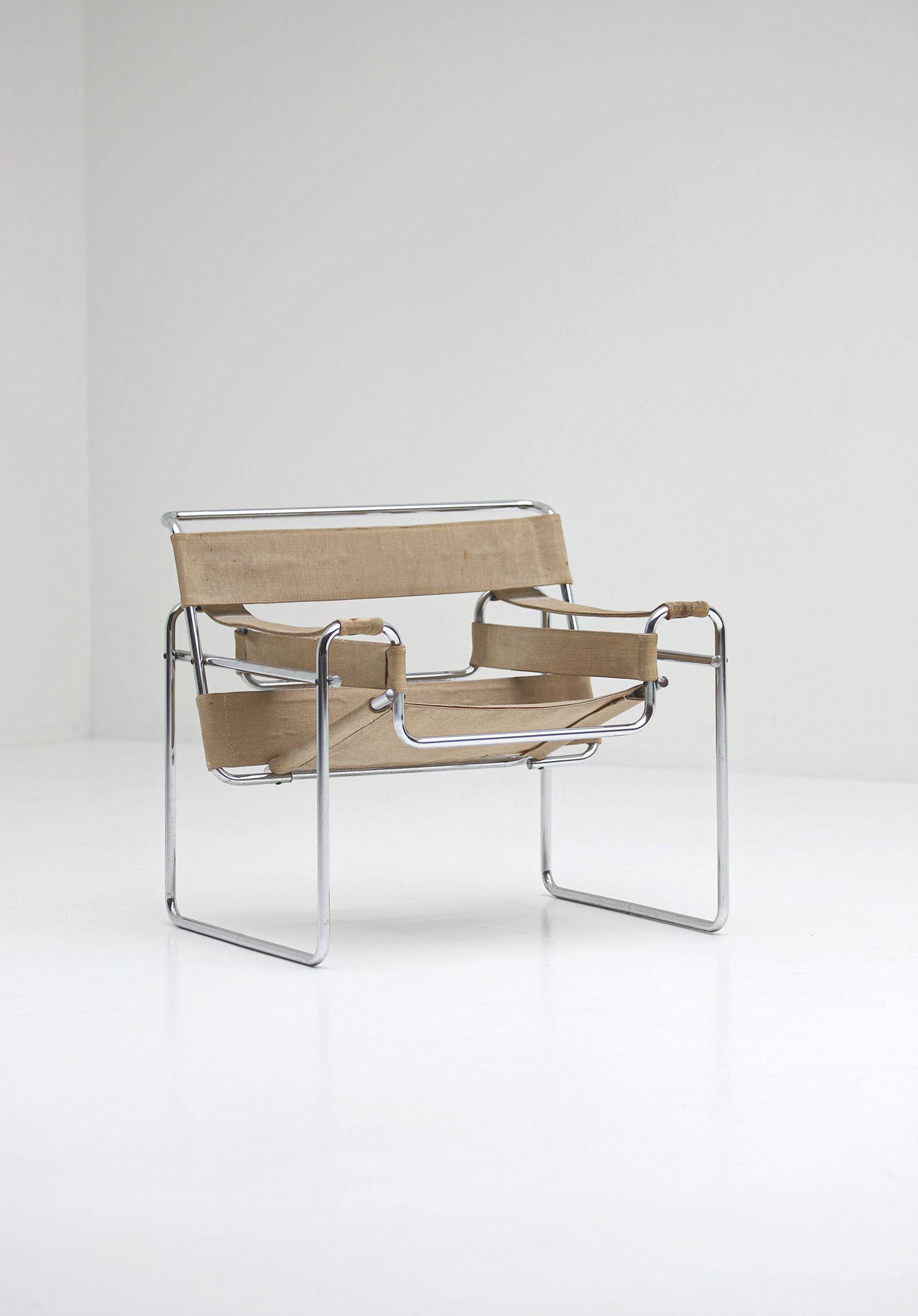 Pair of Wassily Chairs by Marcel Breuer for Gavinaimage 4