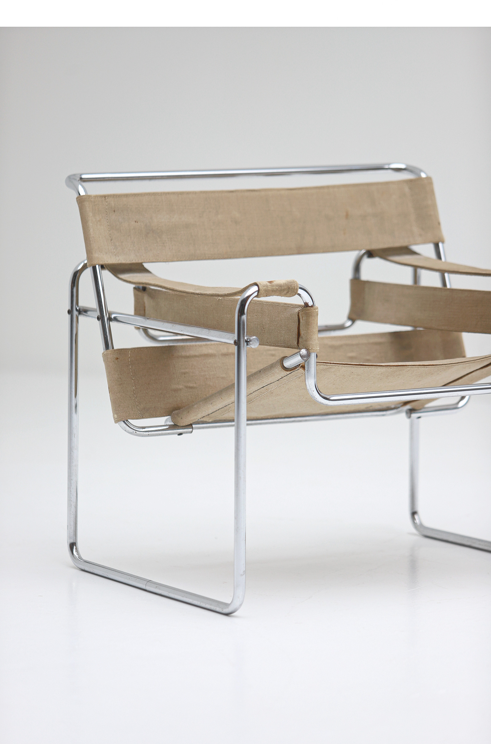 Pair of Wassily Chairs by Marcel Breuer for Gavinaimage 5