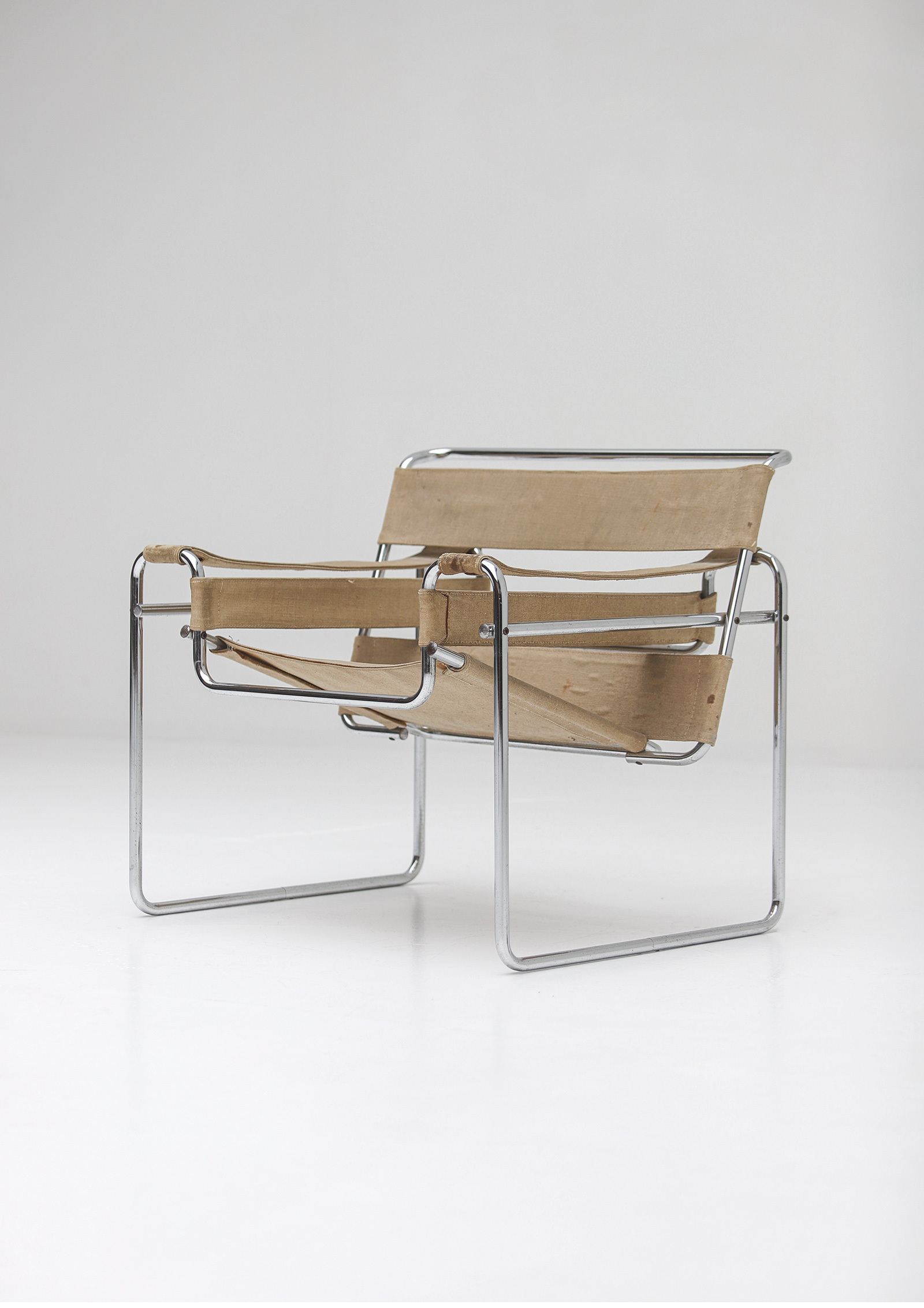 Pair of Wassily Chairs by Marcel Breuer for Gavinaimage 10