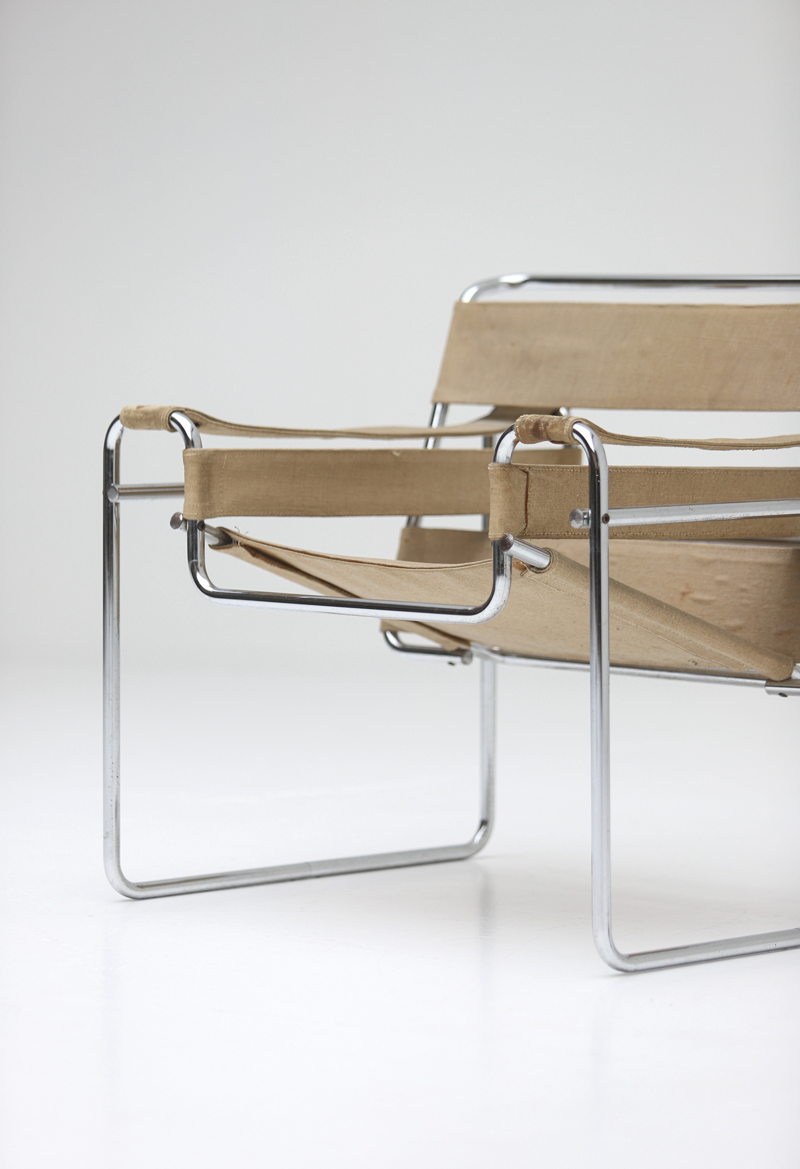 Pair of Wassily Chairs by Marcel Breuer for Gavinaimage 11