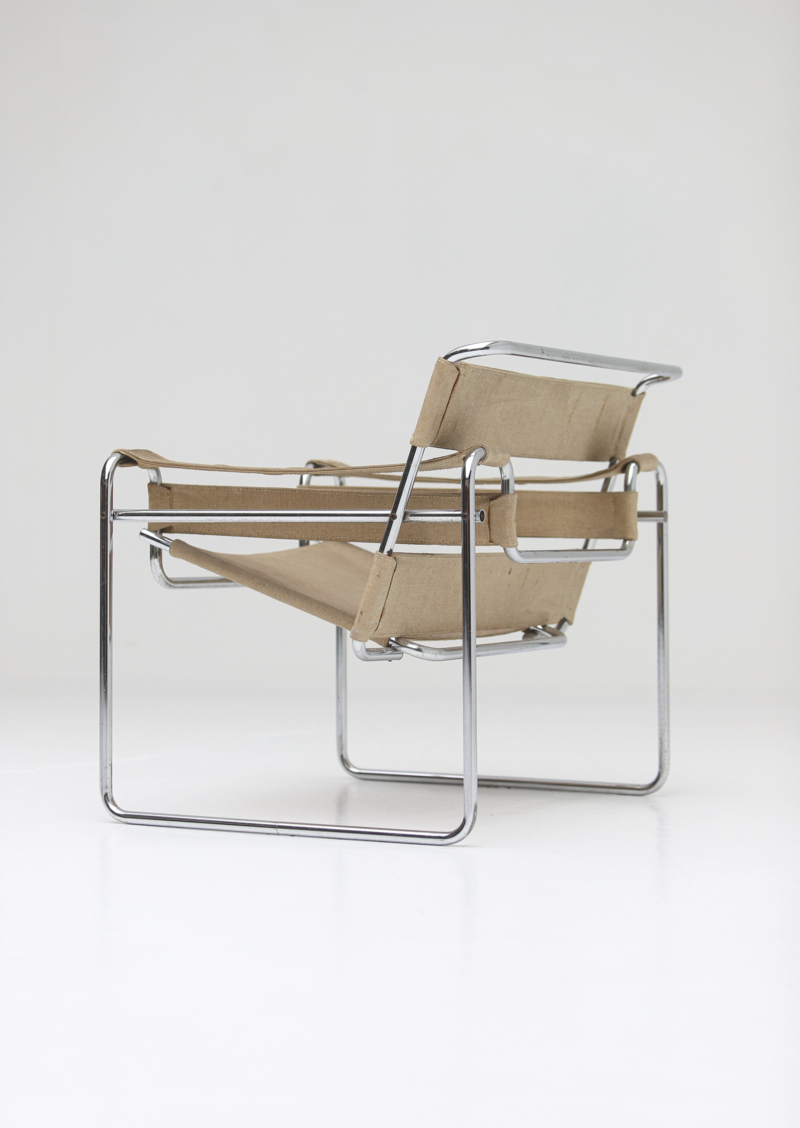 Pair of Wassily Chairs by Marcel Breuer for Gavinaimage 12