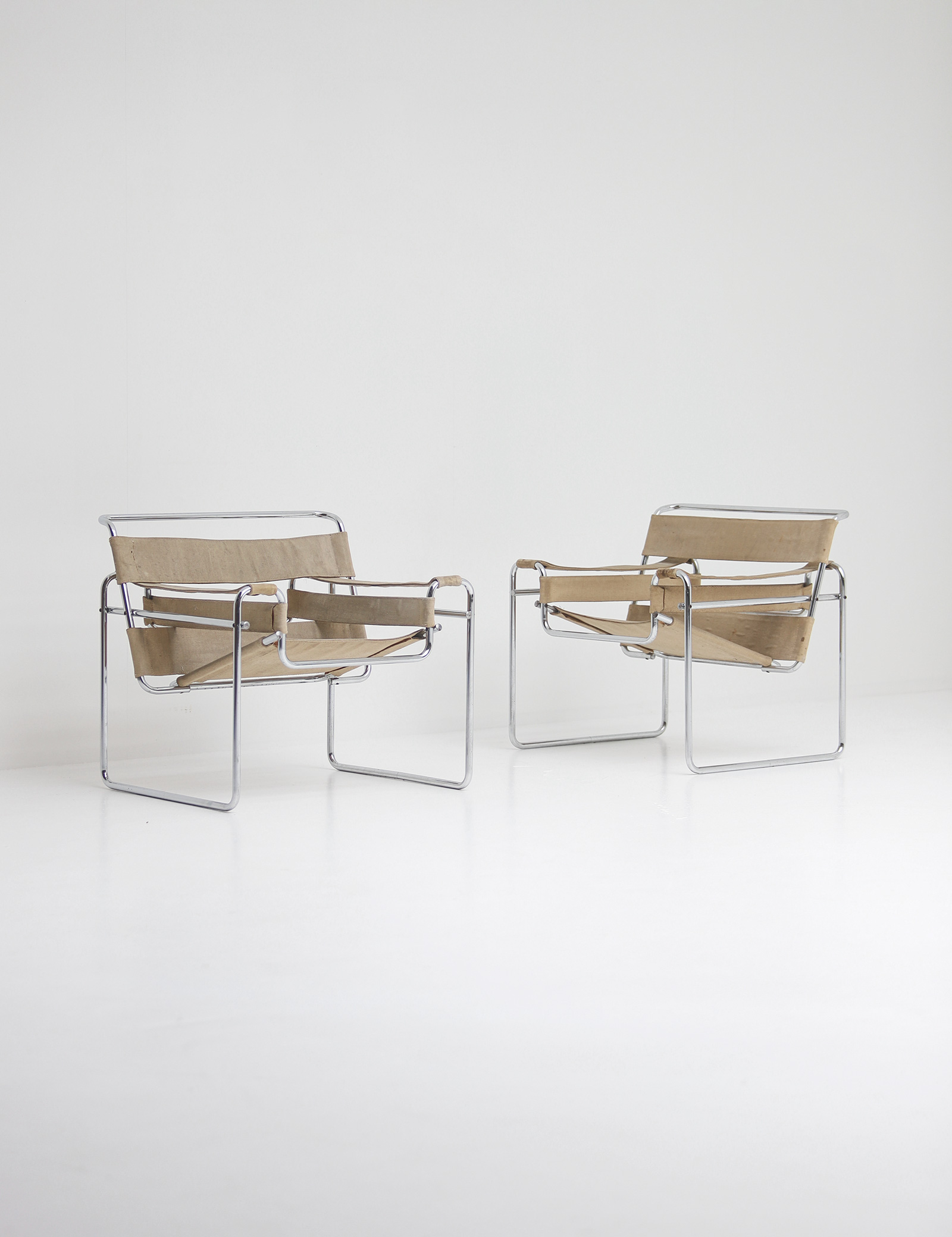 Pair of Wassily Chairs by Marcel Breuer for Gavinaimage 1