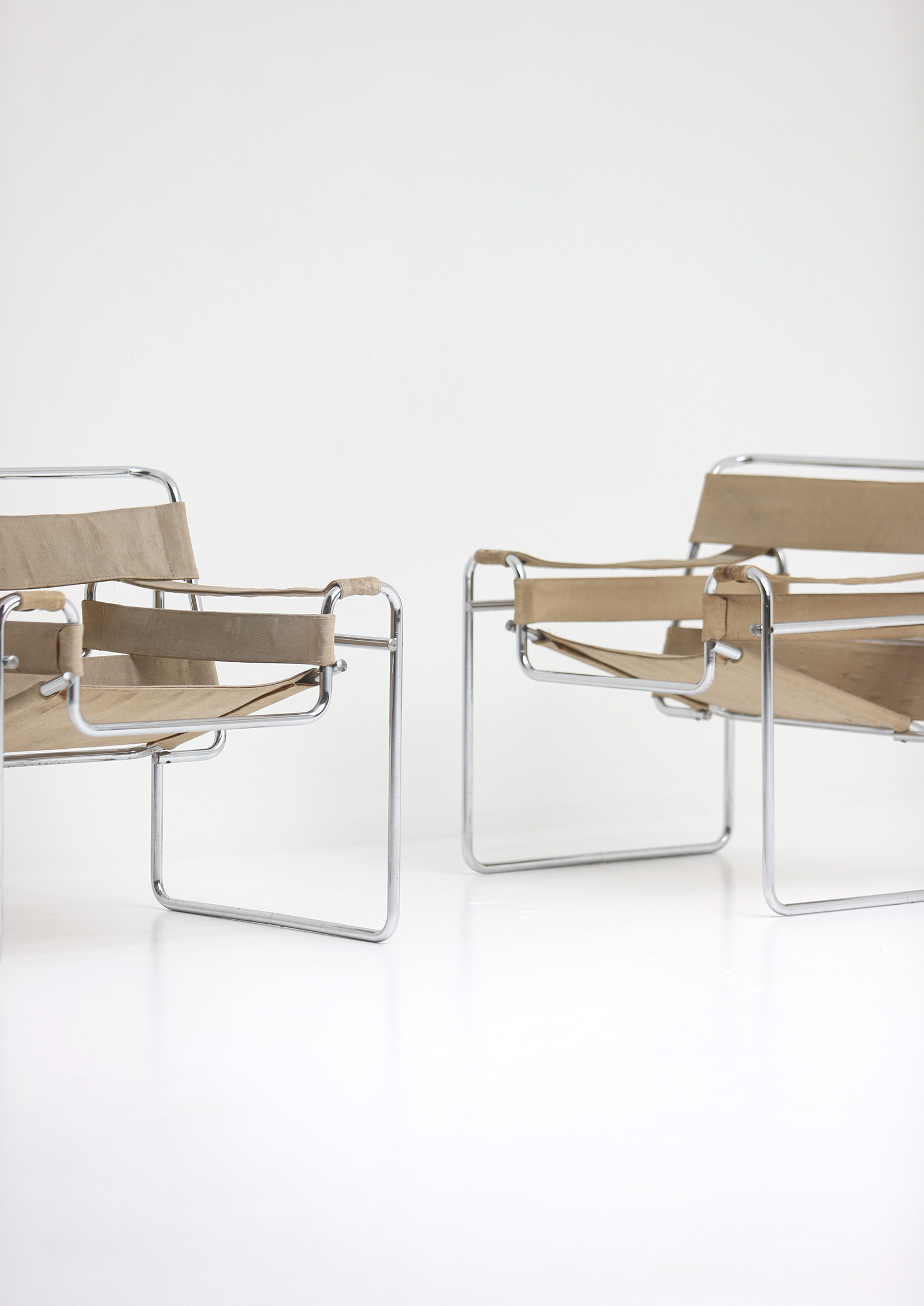 Pair of Wassily Chairs by Marcel Breuer for Gavinaimage 2