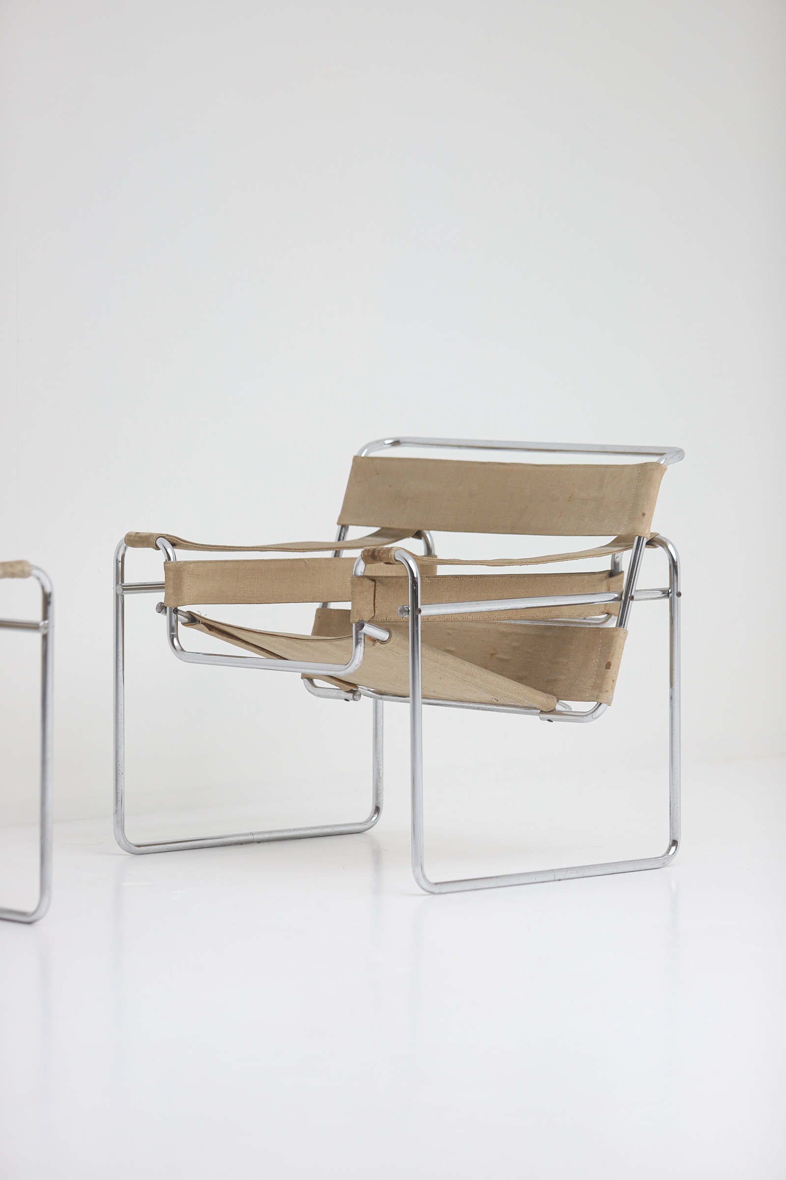 Pair of Wassily Chairs by Marcel Breuer for Gavinaimage 3