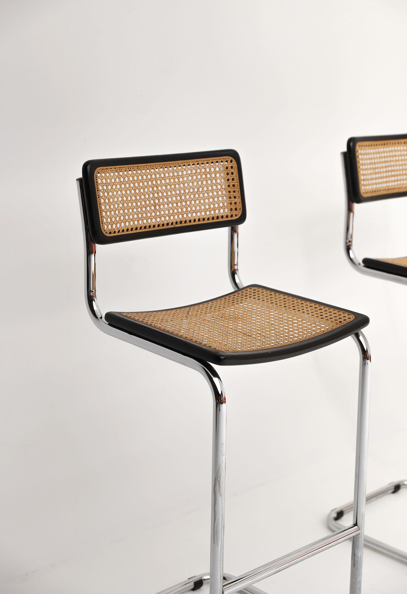 Cesca cantilever bar stools image 3