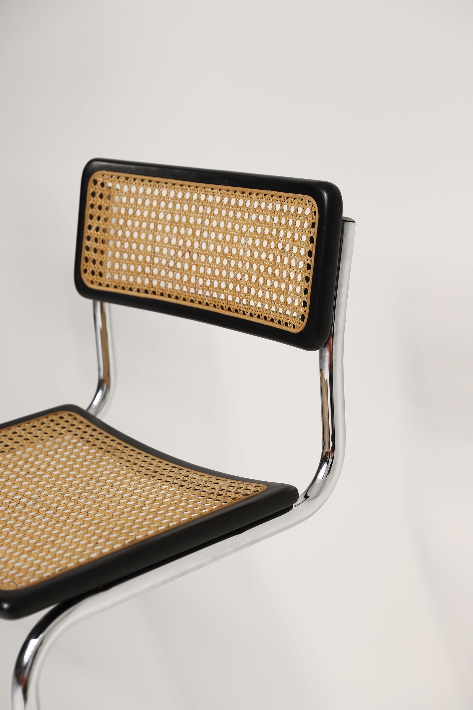Cesca cantilever bar stools image 5