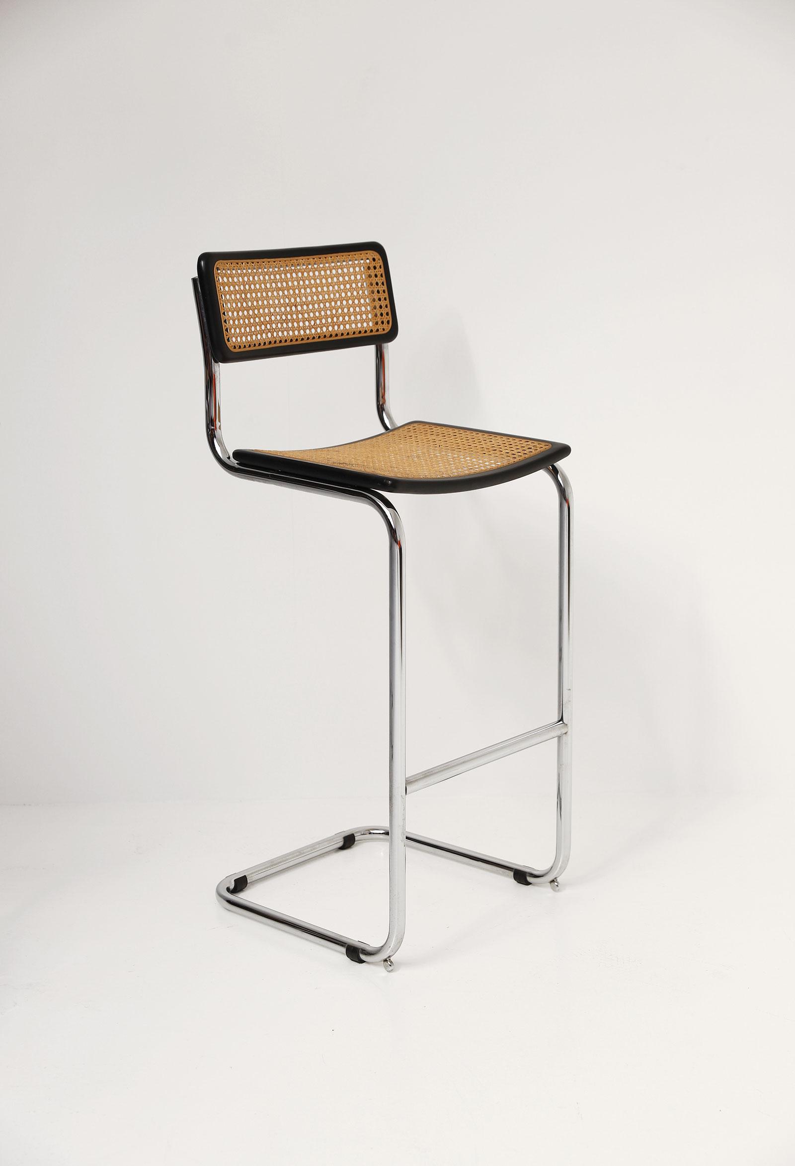 Cesca cantilever bar stools image 6
