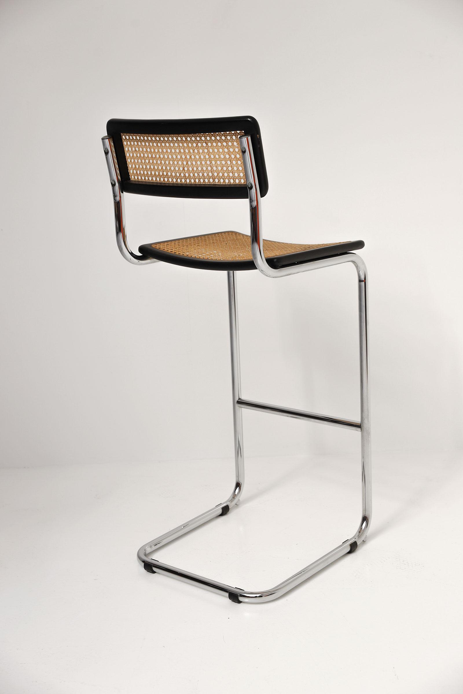 Cesca cantilever bar stools image 7