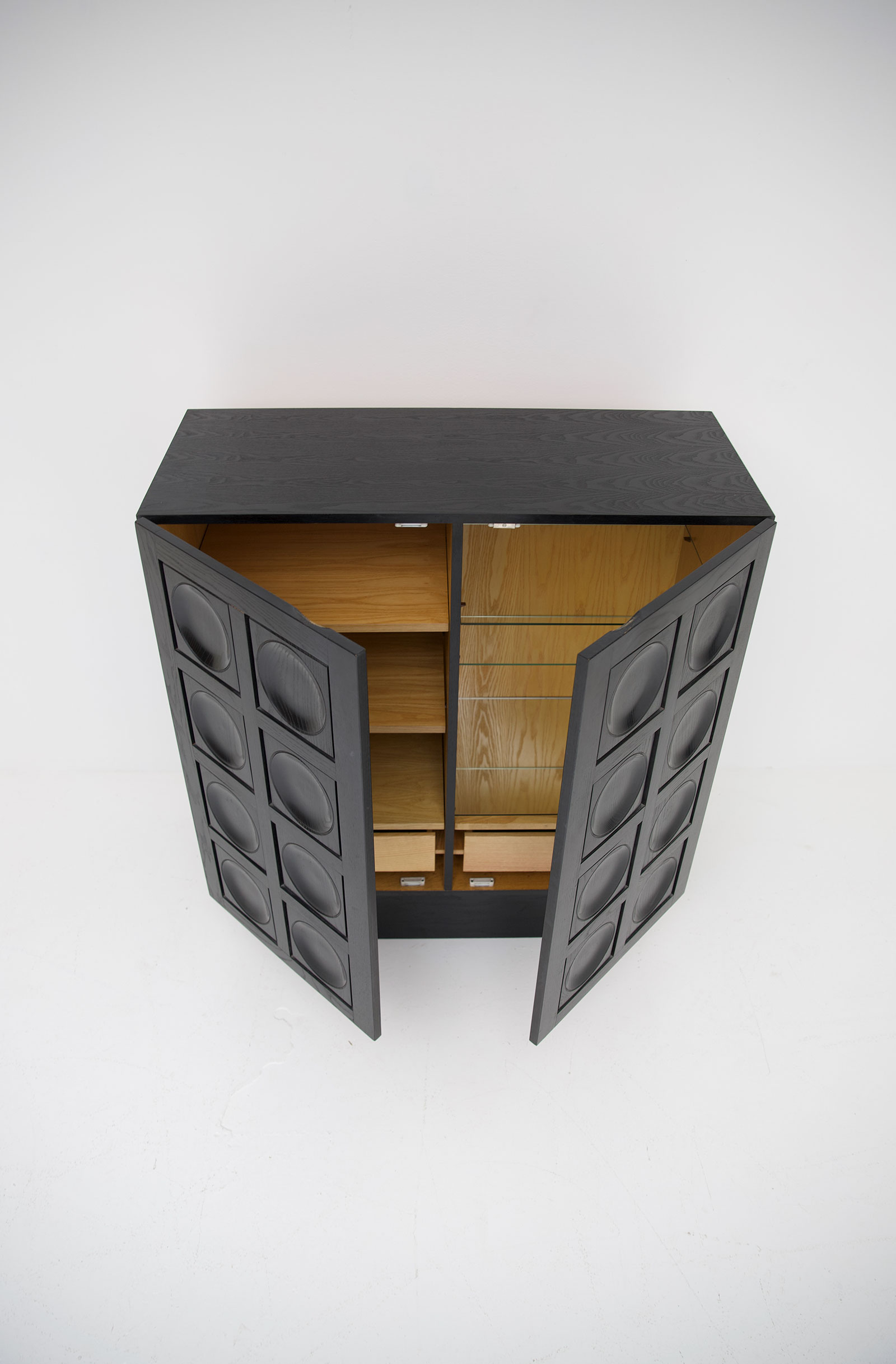 Black Ebonised Brutalist Bar / Cabinetimage 12