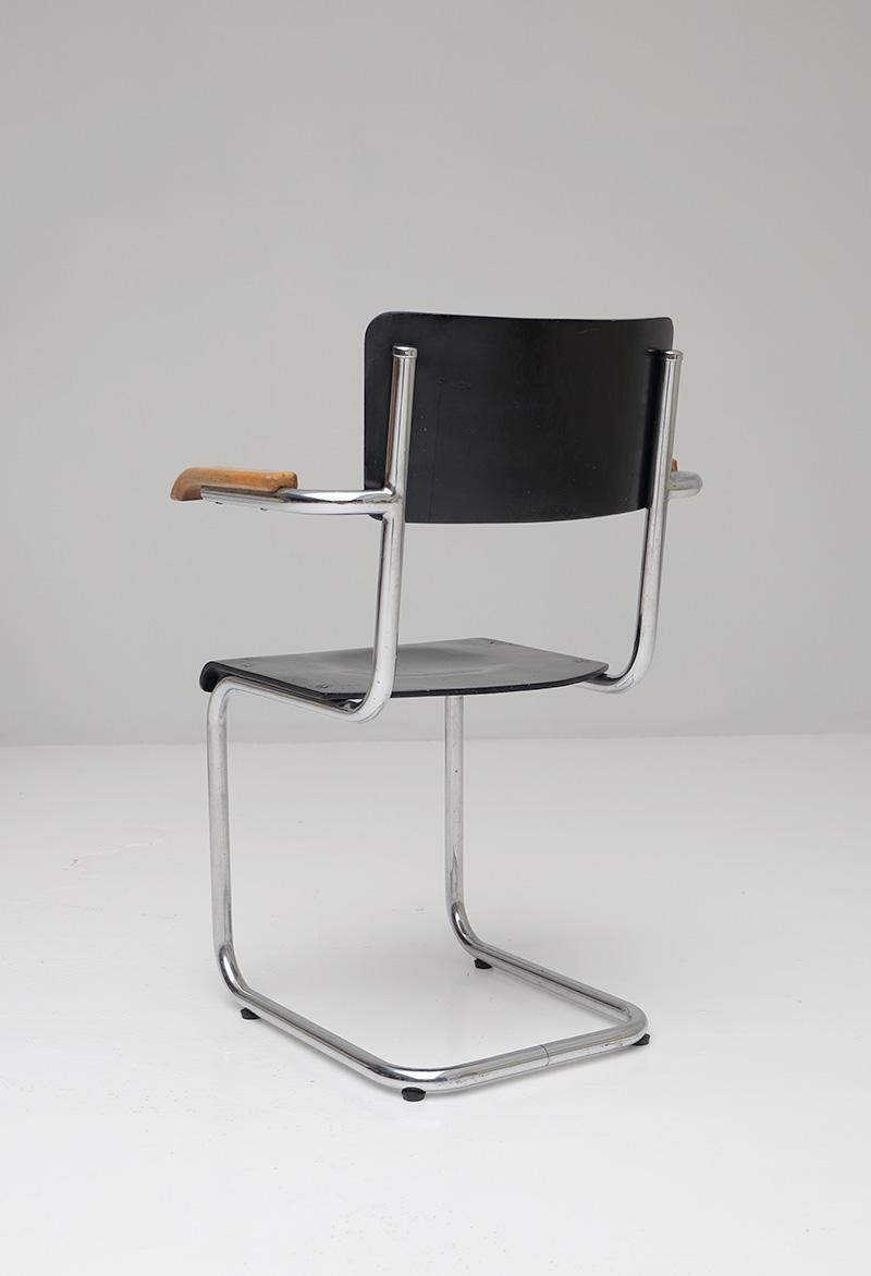 Bauhaus Cantilever Armchairsimage 9