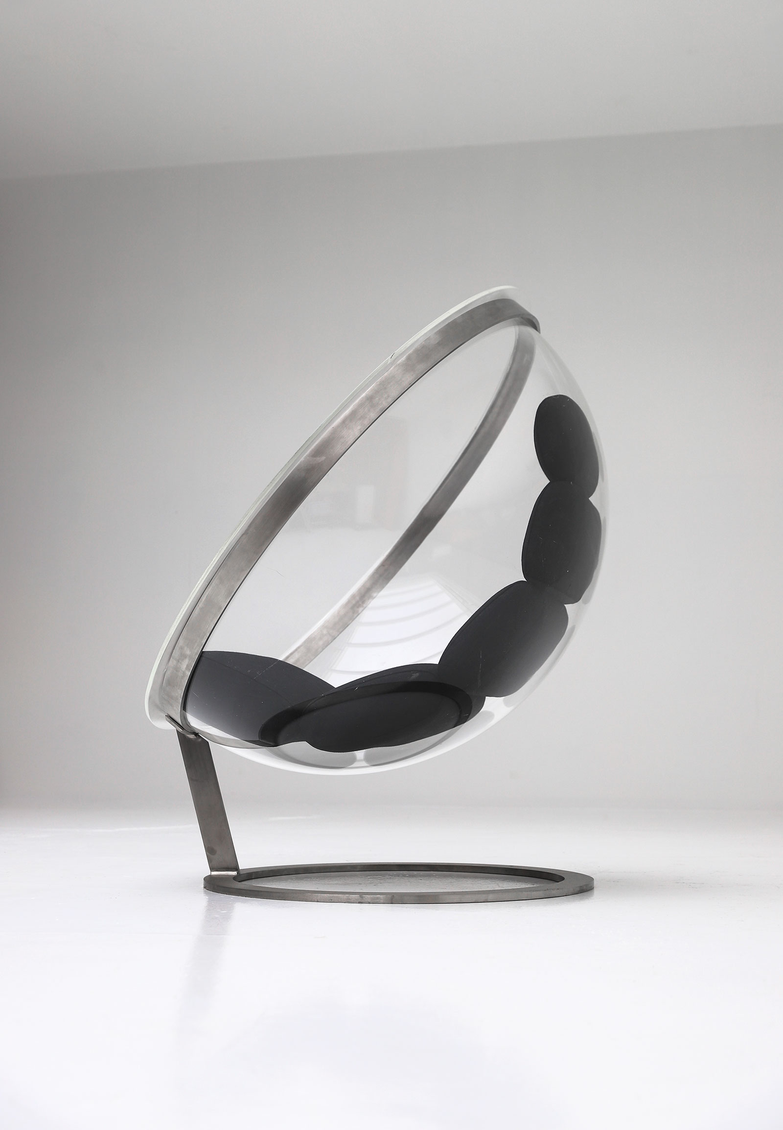 Bubble lounge chair by Christian Daninos