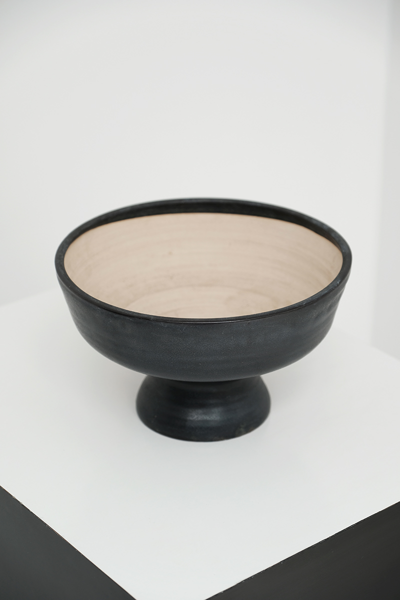 Mobach Black Ceramic Fruit Bowl