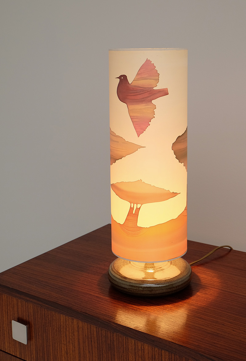 1970S SOFT COLORED TABLE LAMP image 1