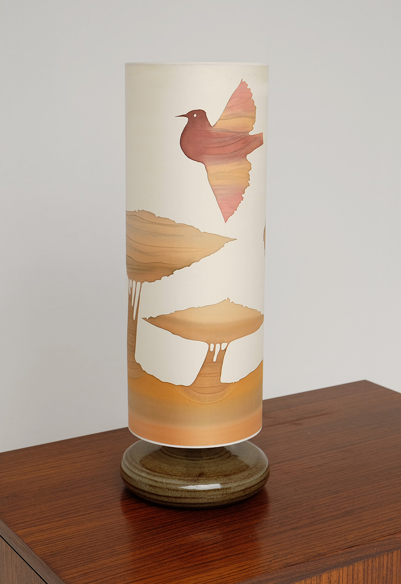 1970S SOFT COLORED TABLE LAMP image 4