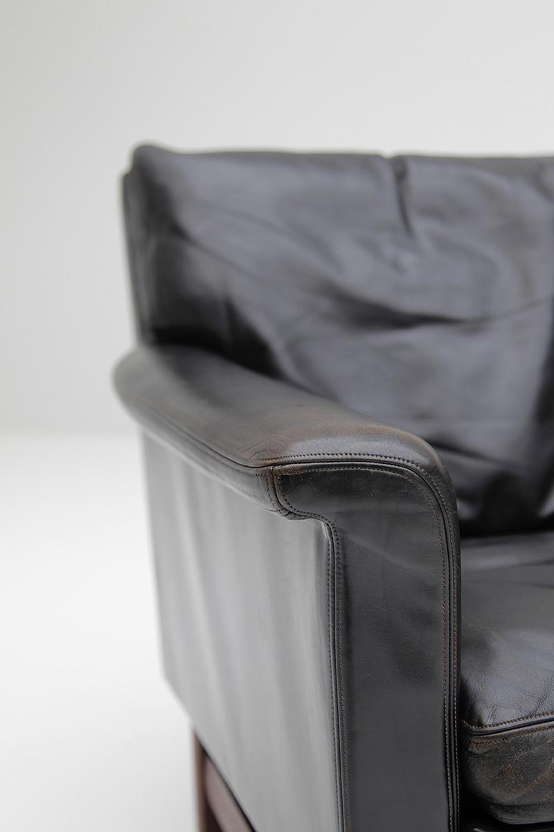 Danish Modern Black Leather Sofa  image 4