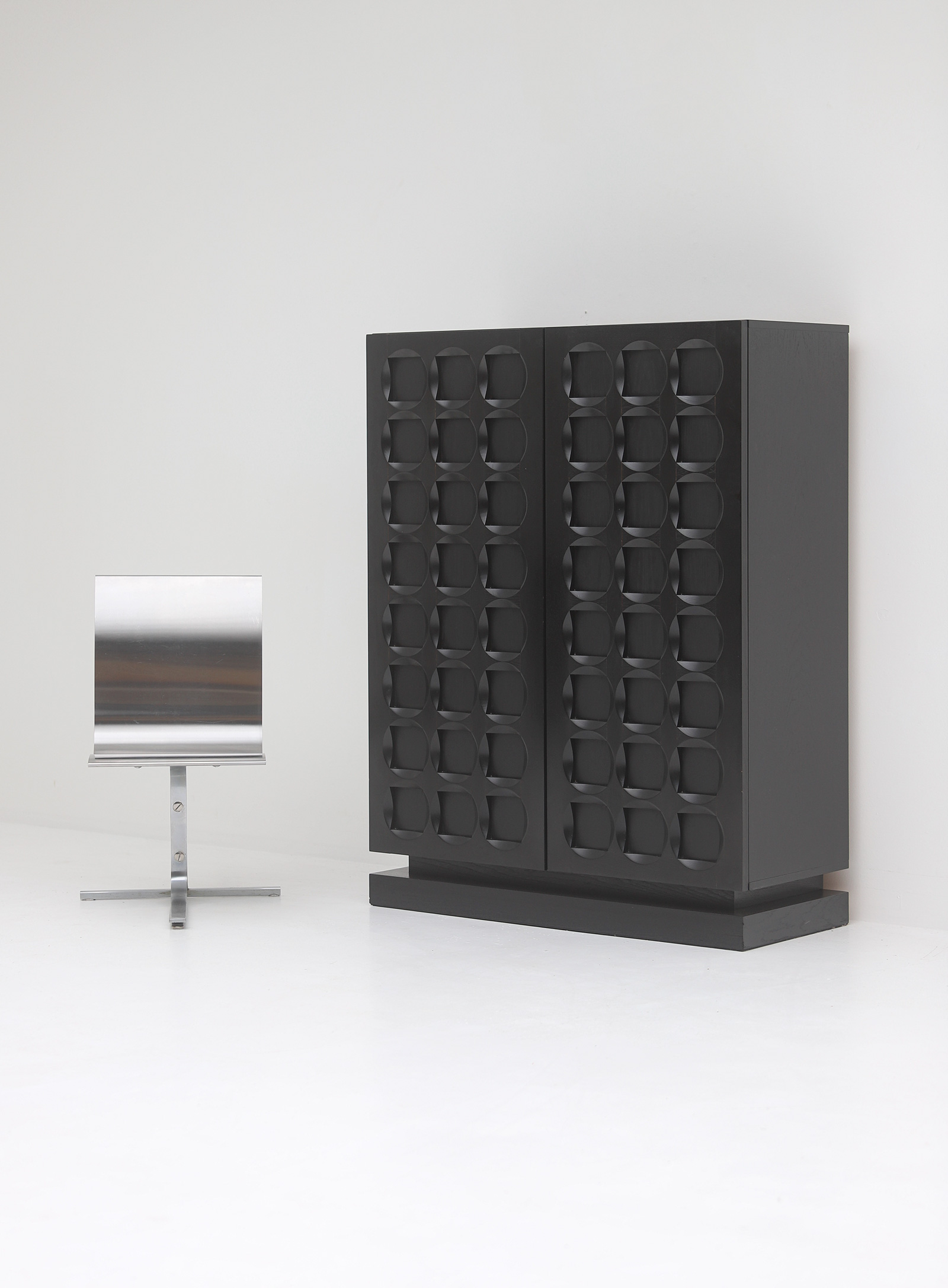 Defour Cabinet with Graphic Doorsimage 1