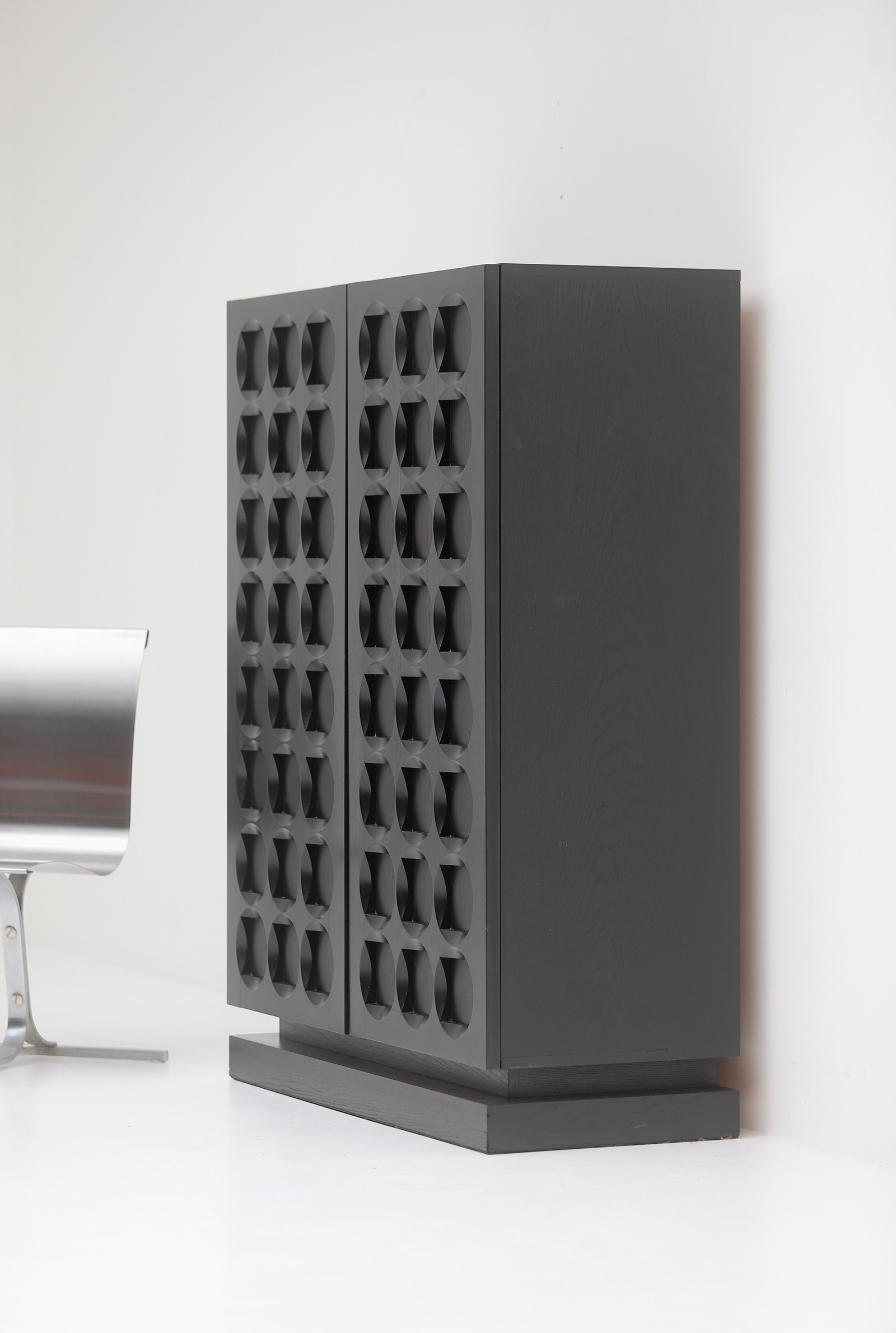 Defour Cabinet with Graphic Doorsimage 5