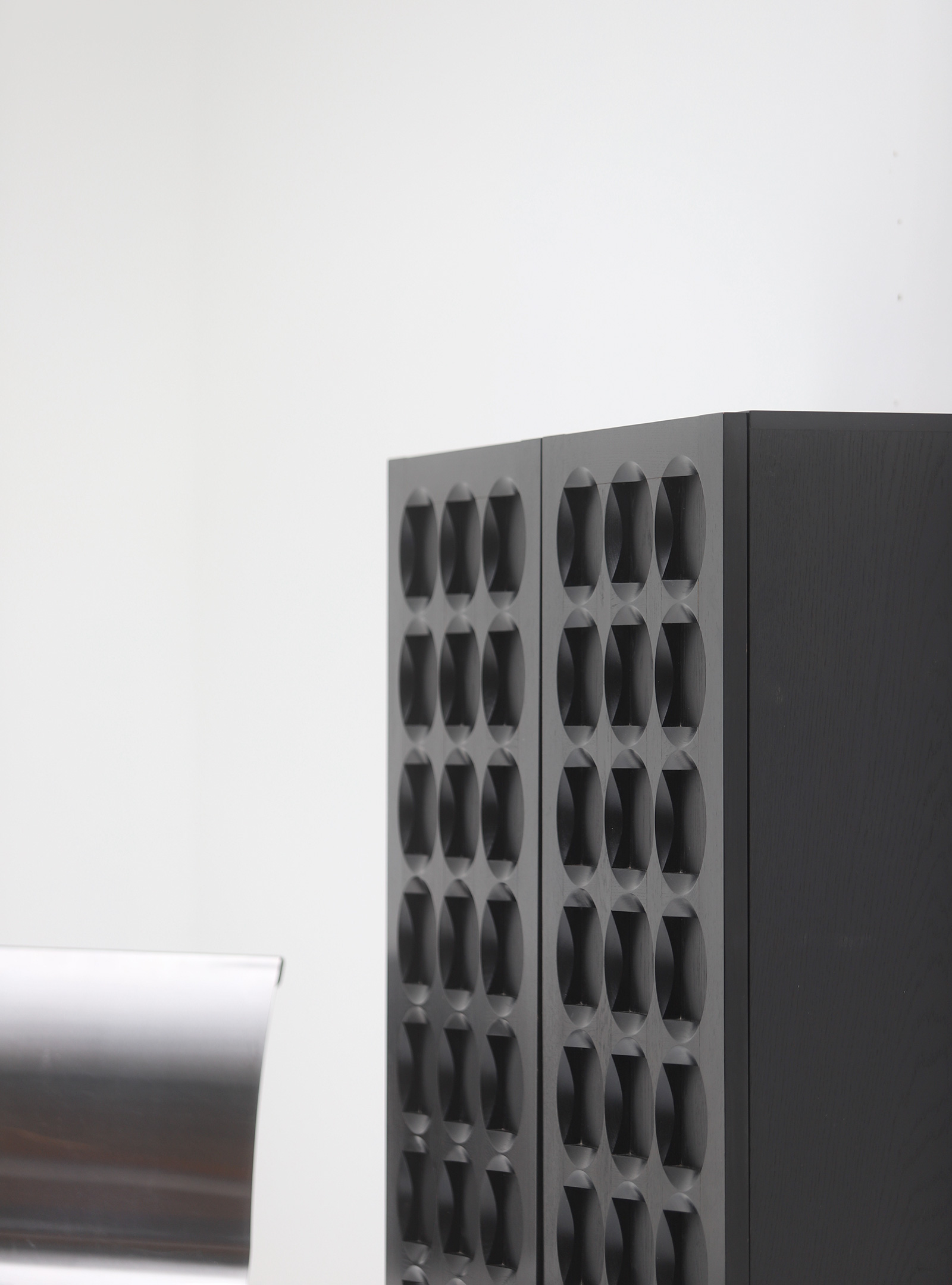 Defour Cabinet with Graphic Doorsimage 4