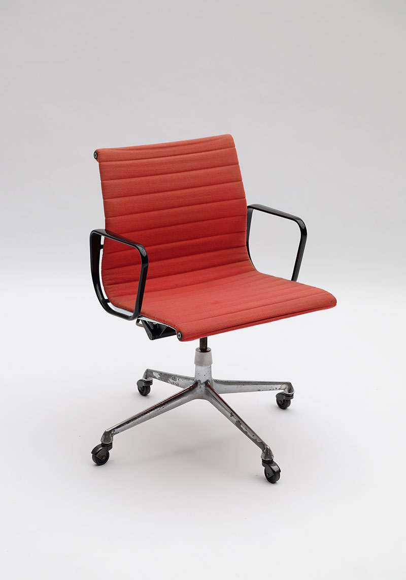 pair of Charles & Ray Eames Office armchair EA117