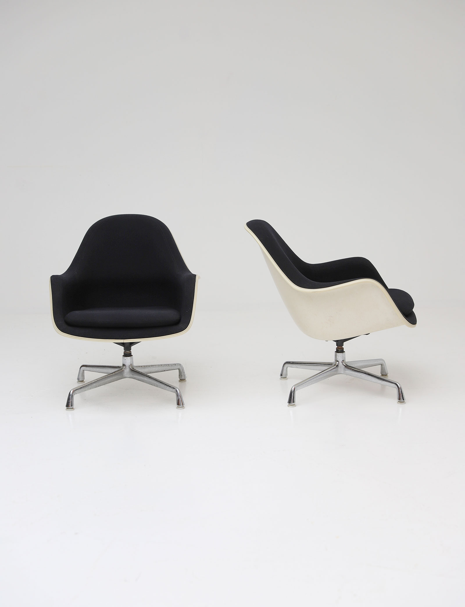 Two Eames Side Chairs Model EC175-8image 6