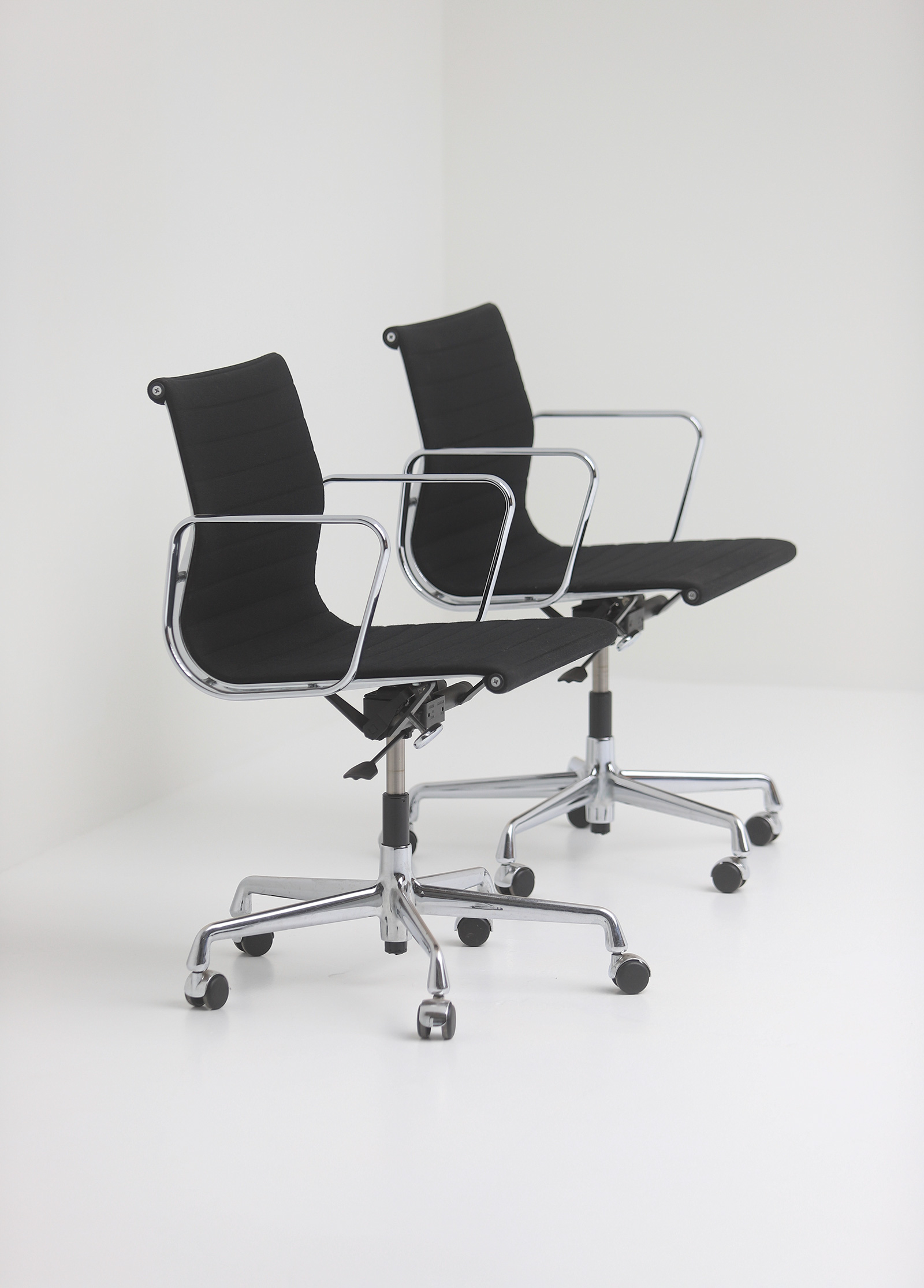 Two Eames office desk chairs ea117image 1