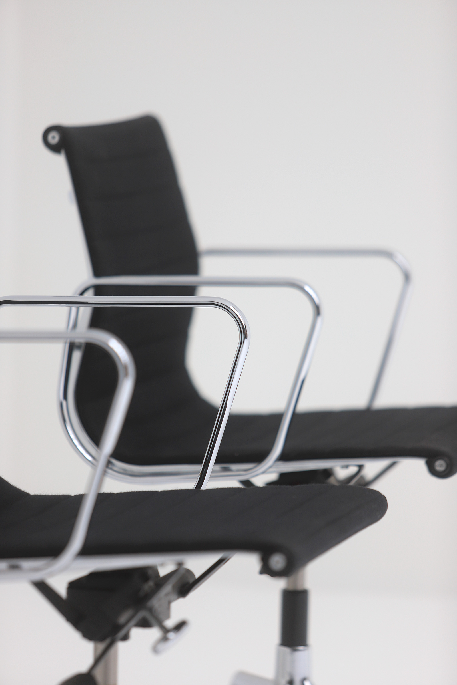 Two Eames office desk chairs ea117image 3