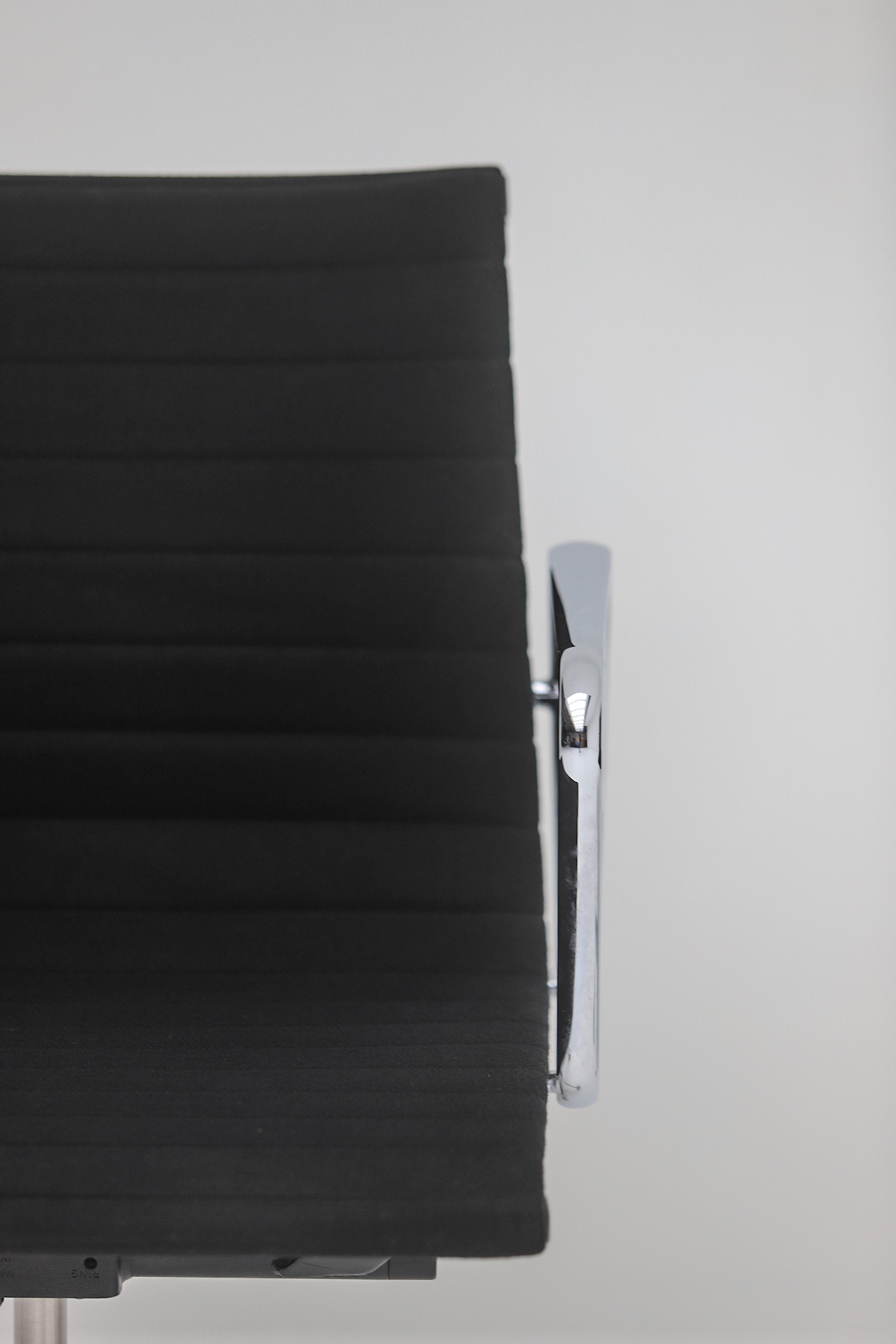 Two Eames office desk chairs ea117image 13