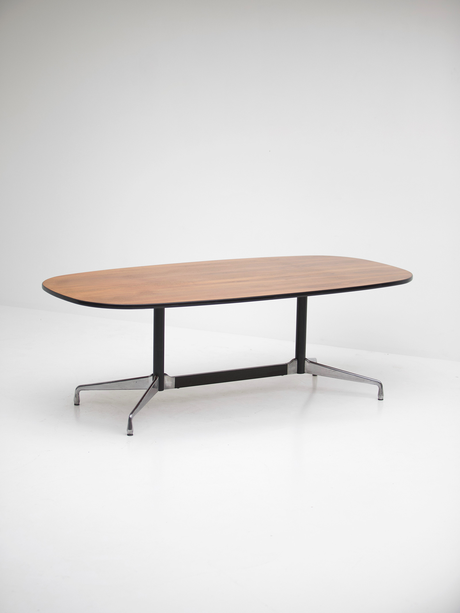 Eames Segmented Table Herman Millerimage 4