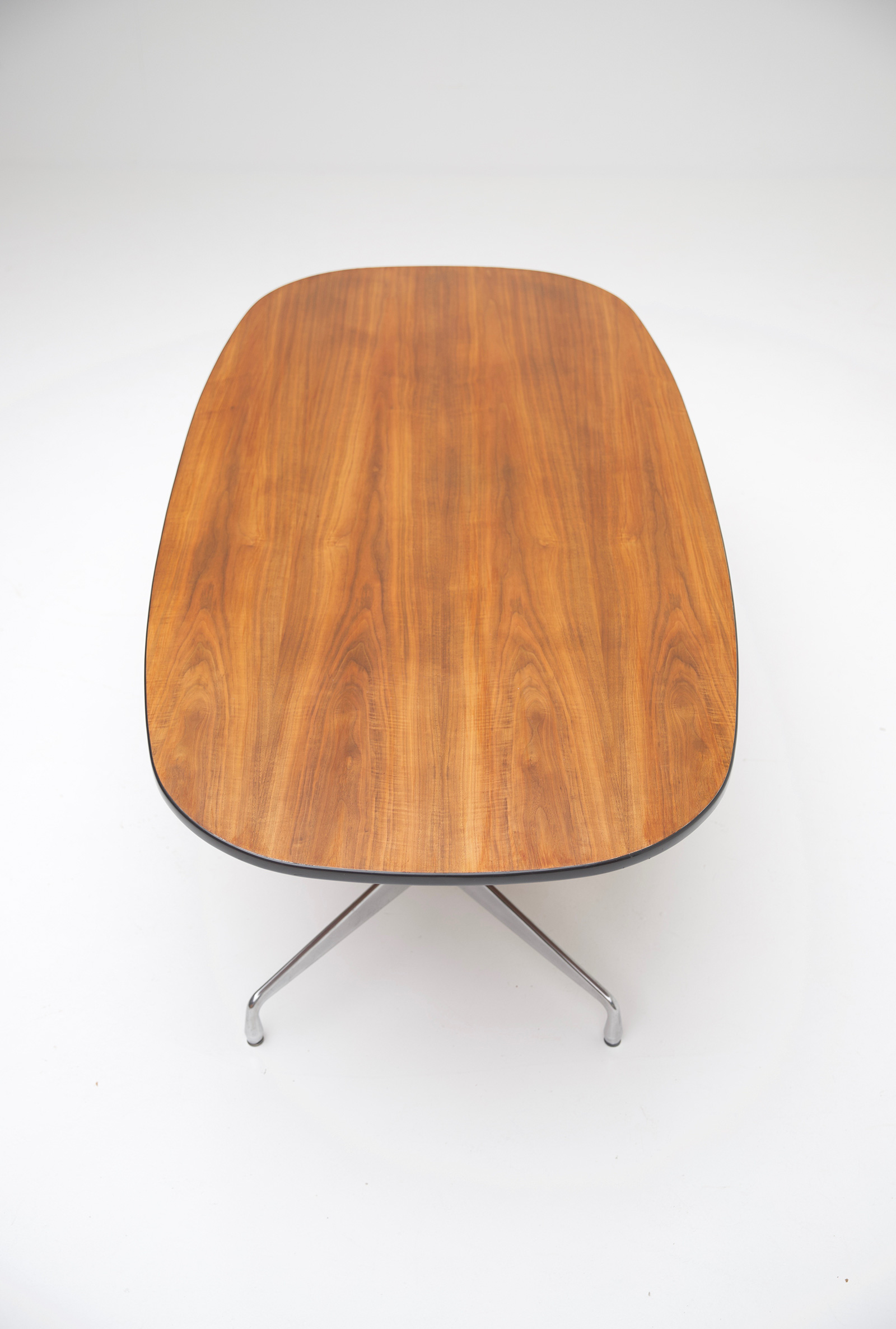 Eames Segmented Table Herman Millerimage 5