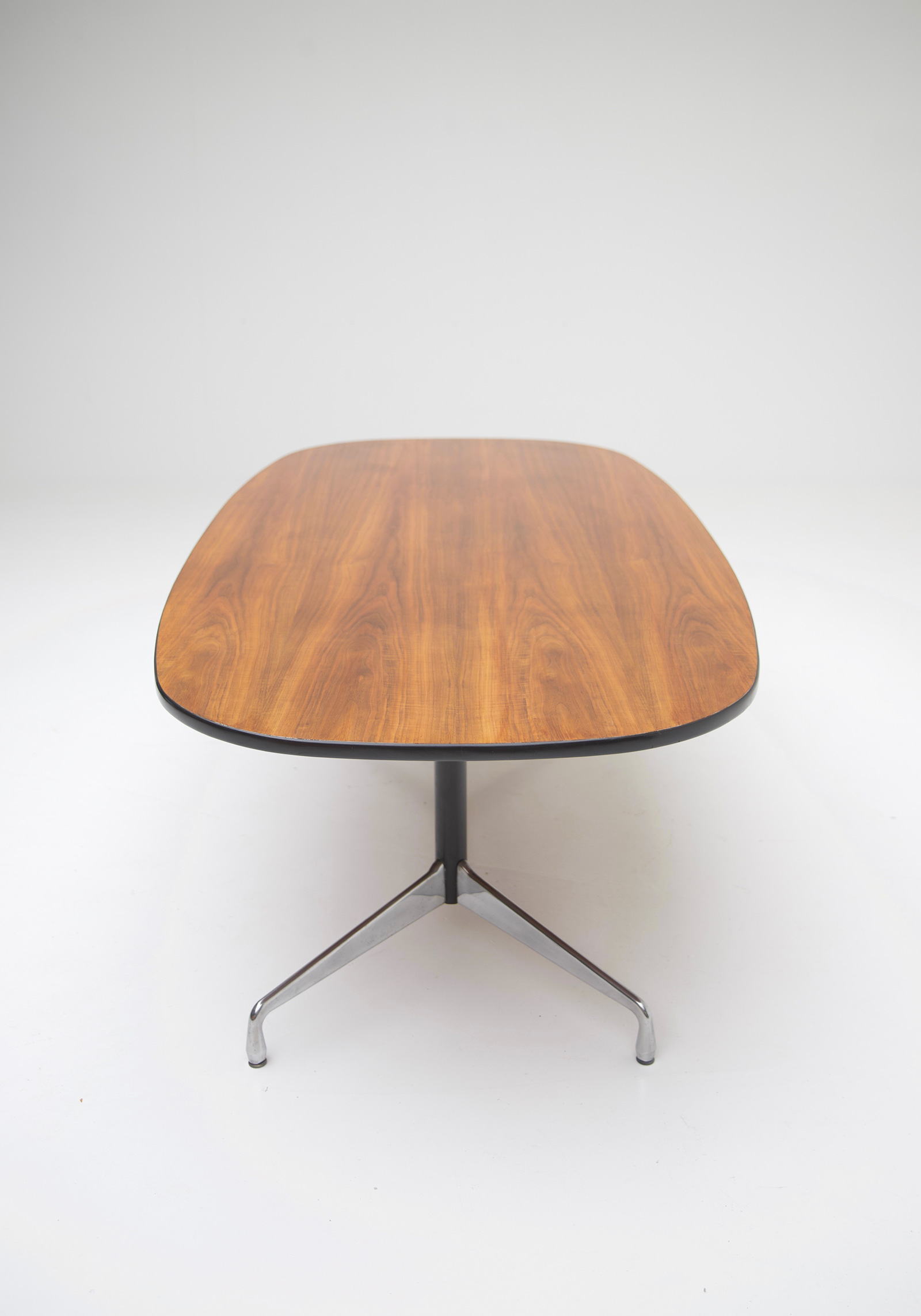 Eames Segmented Table Herman Millerimage 6