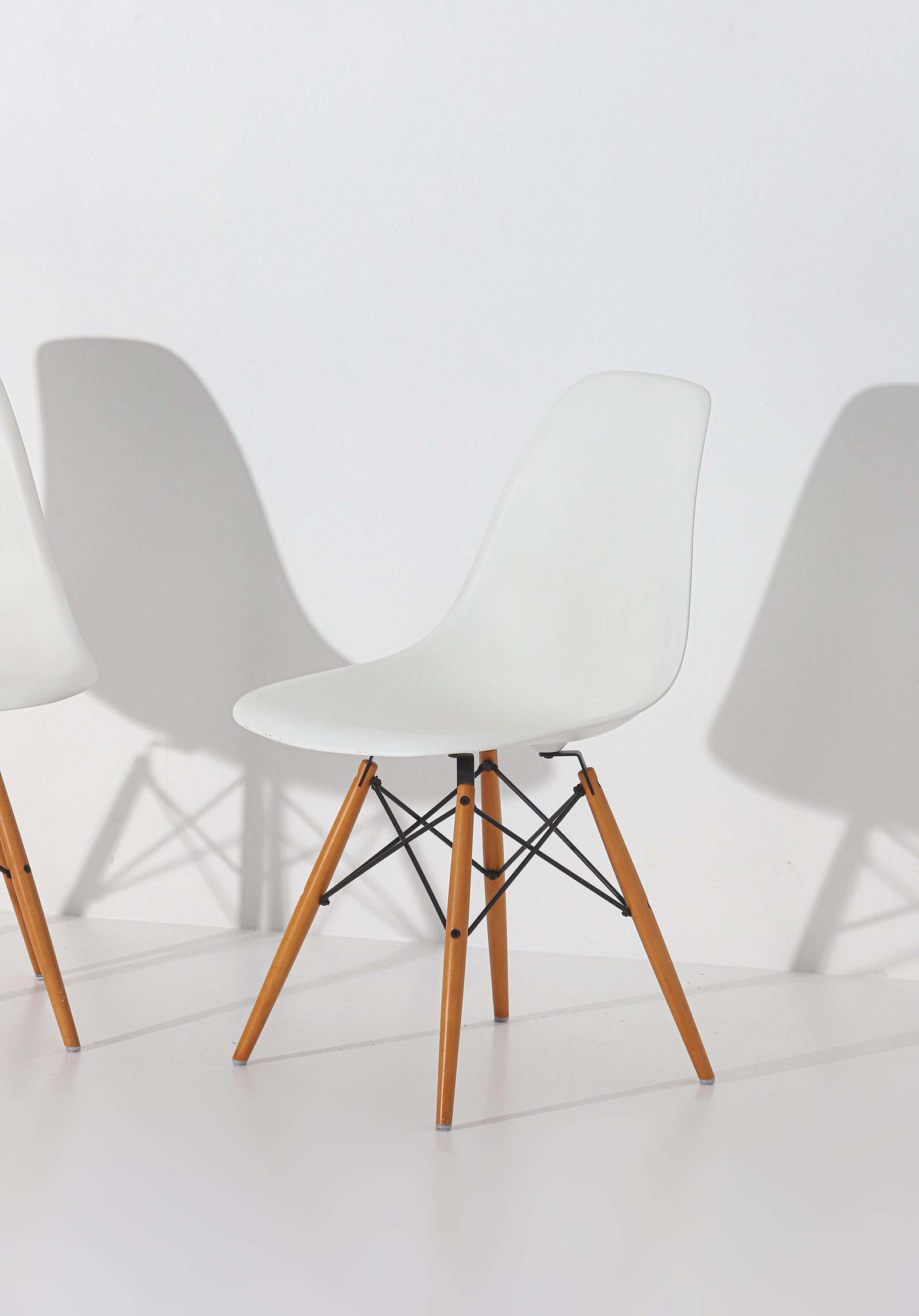 Eames DSW Vitra chairsimage 2