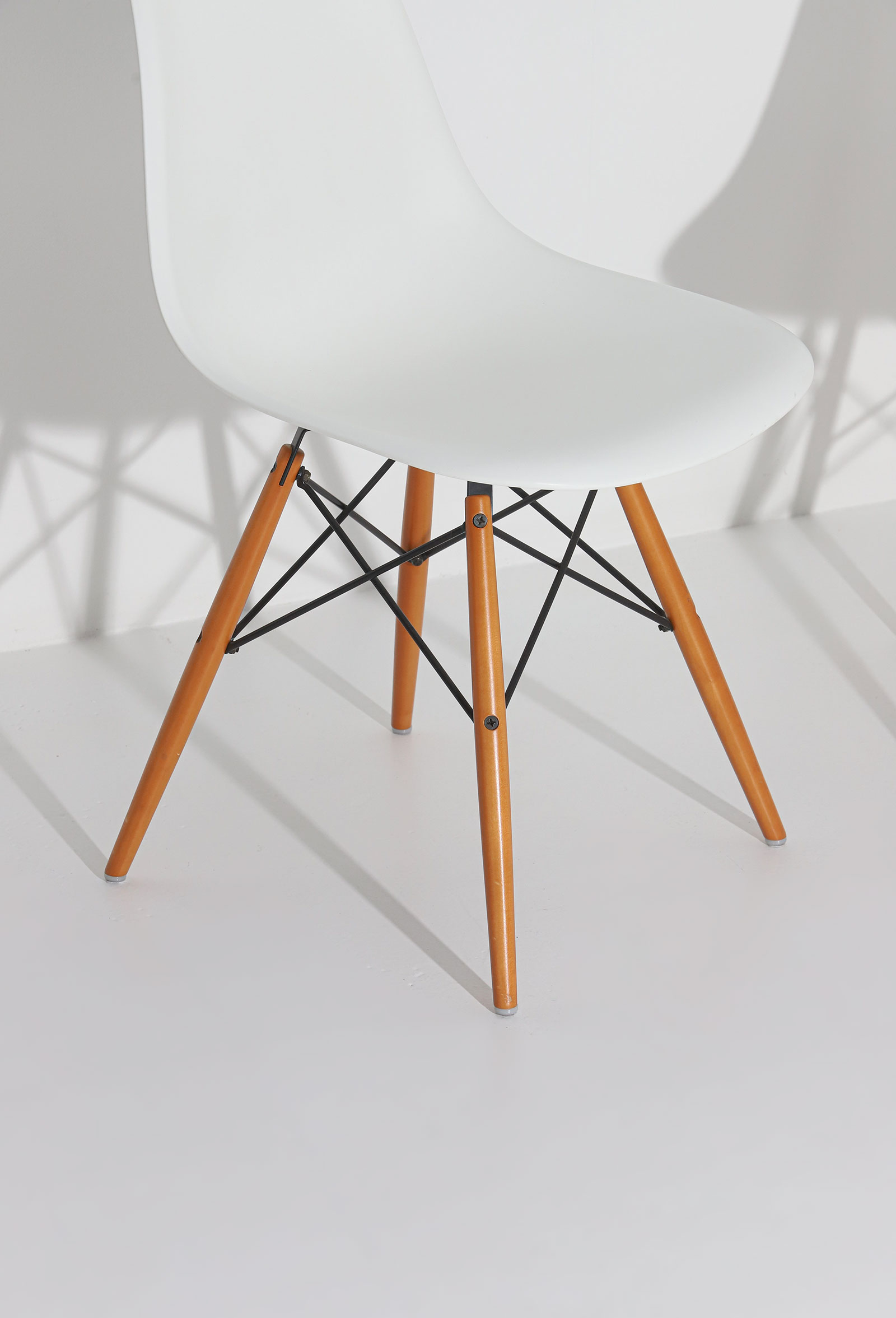 Eames DSW Vitra chairsimage 3