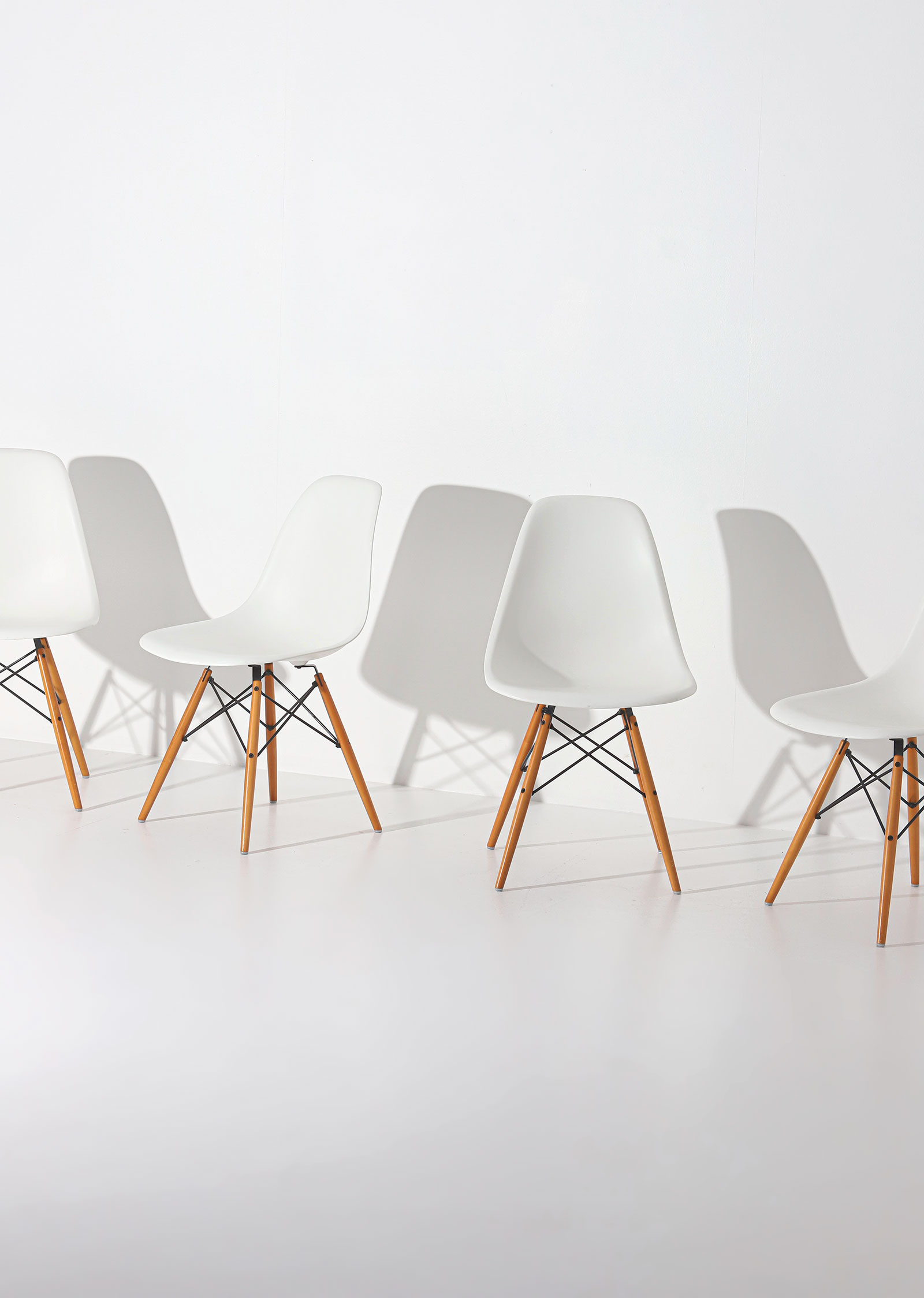 Eames DSW Vitra chairsimage 5