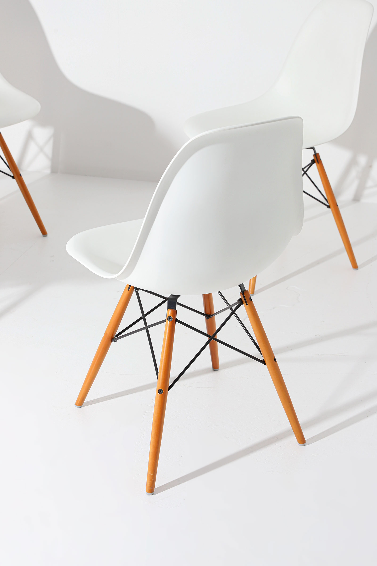 Eames DSW Vitra chairsimage 6