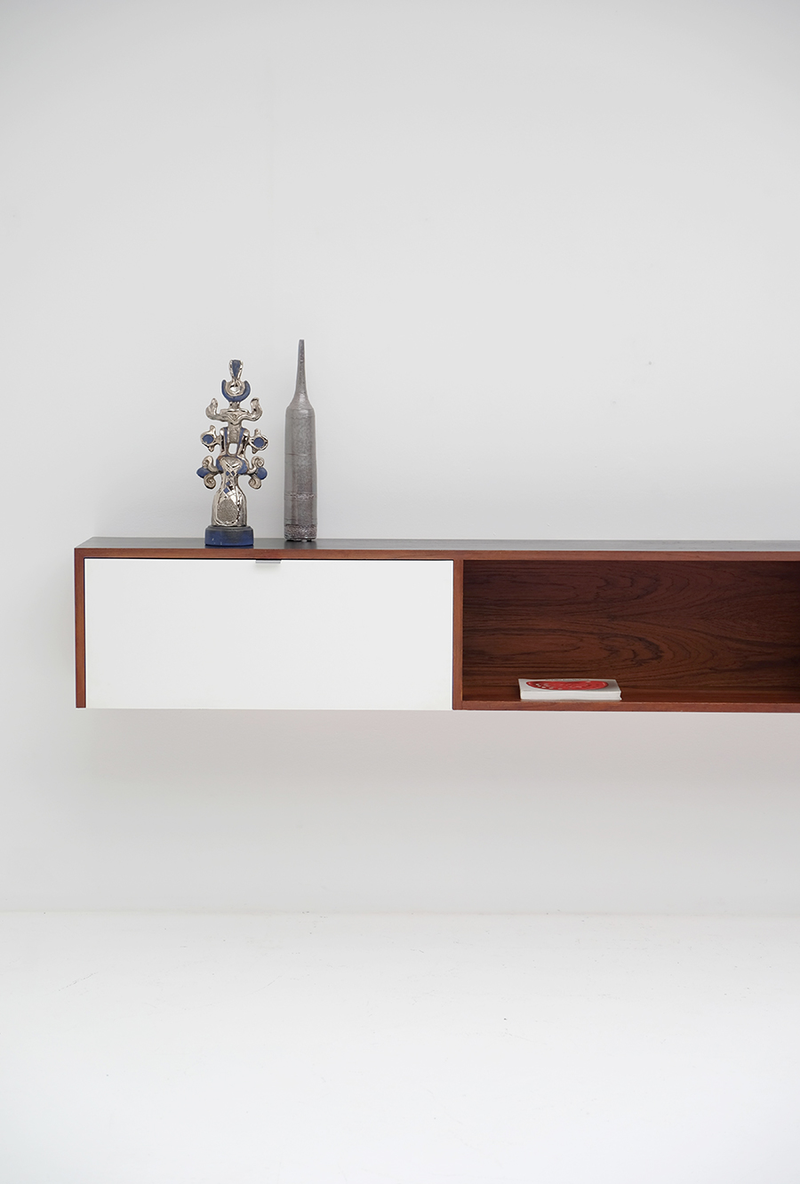 Victor Weekx floating sideboard image 3