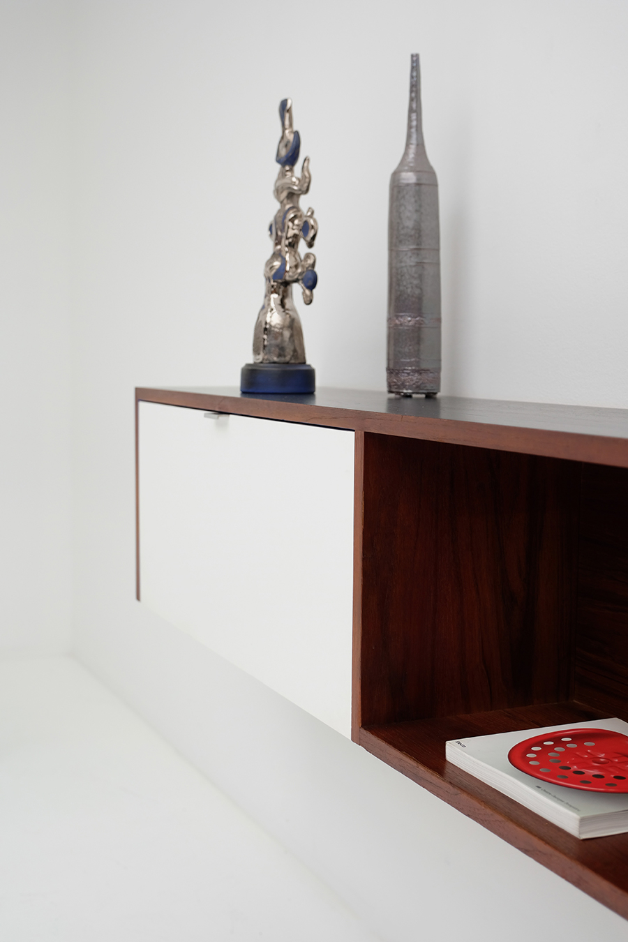 Victor Weekx floating sideboard image 7