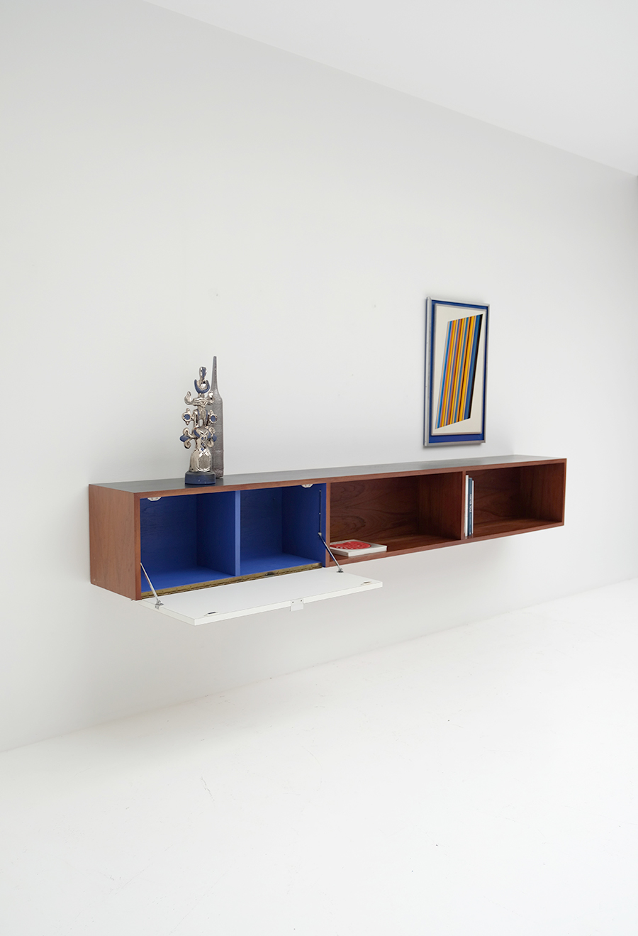 Victor Weekx floating sideboard image 17
