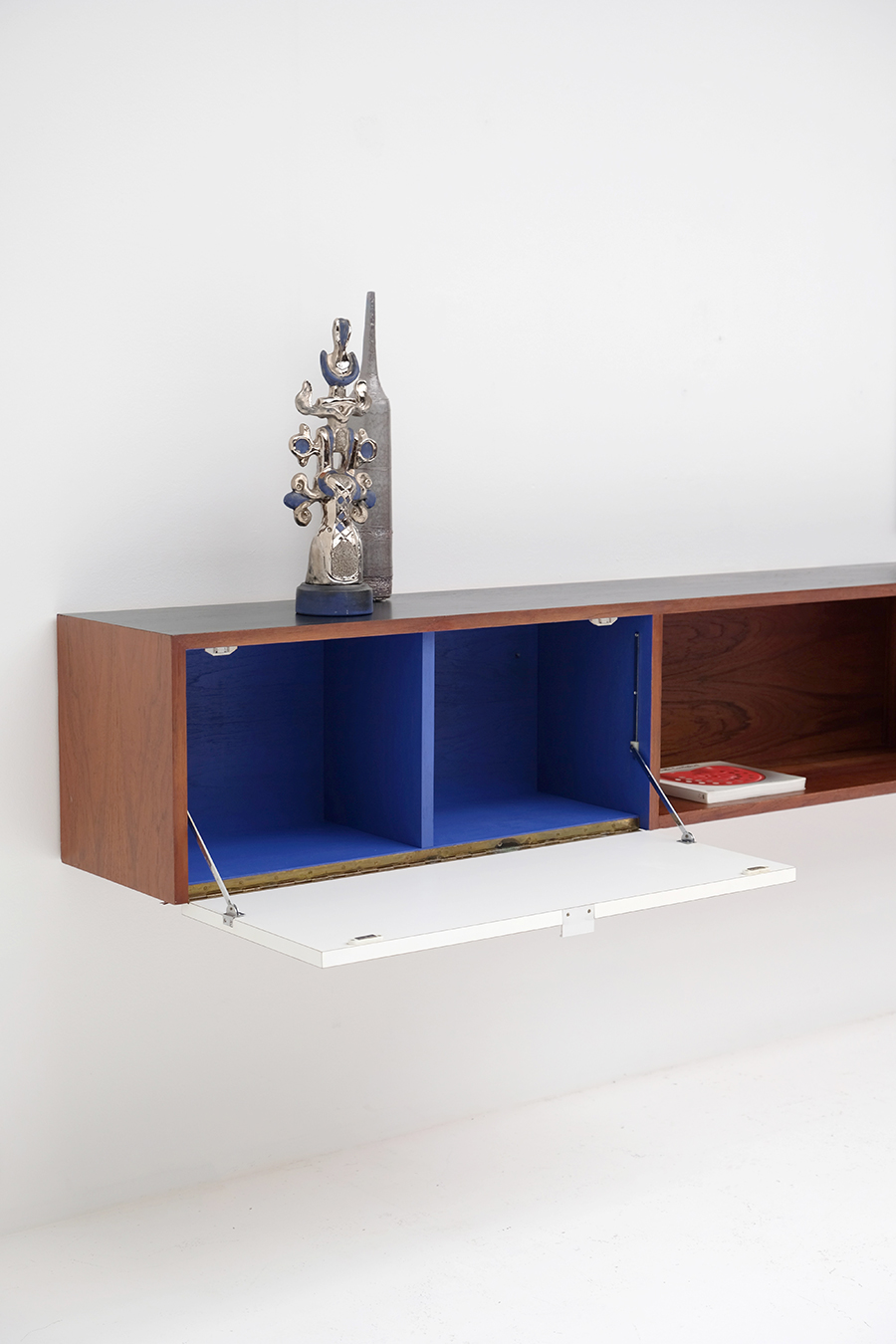 Victor Weekx floating sideboard image 13